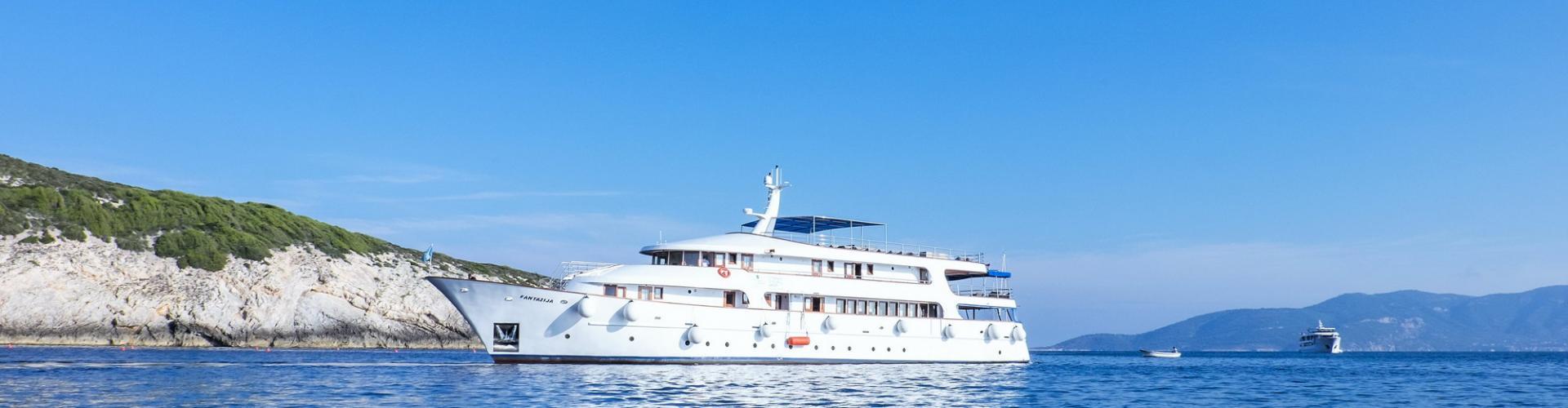 barca a motore Deluxe nave da crociera MV Fantazija