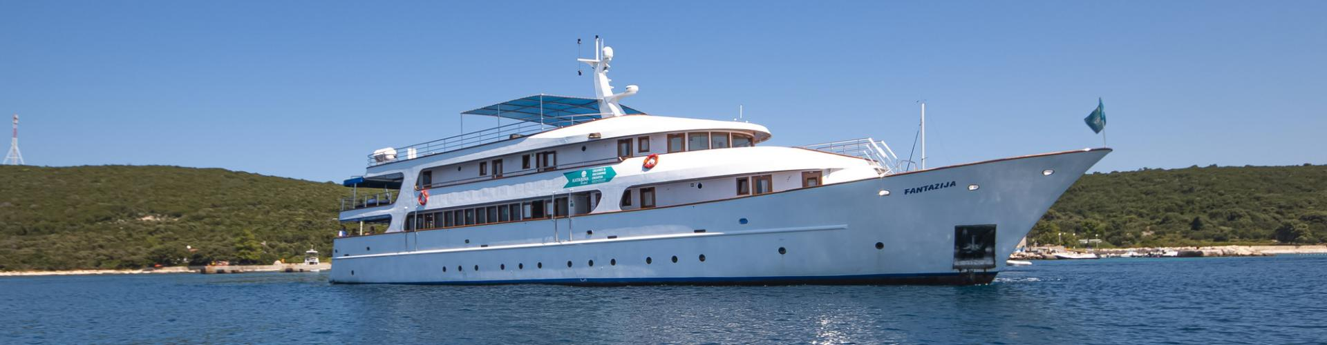 Deluxe nave da crociera MV Fantazija- yacht a motore