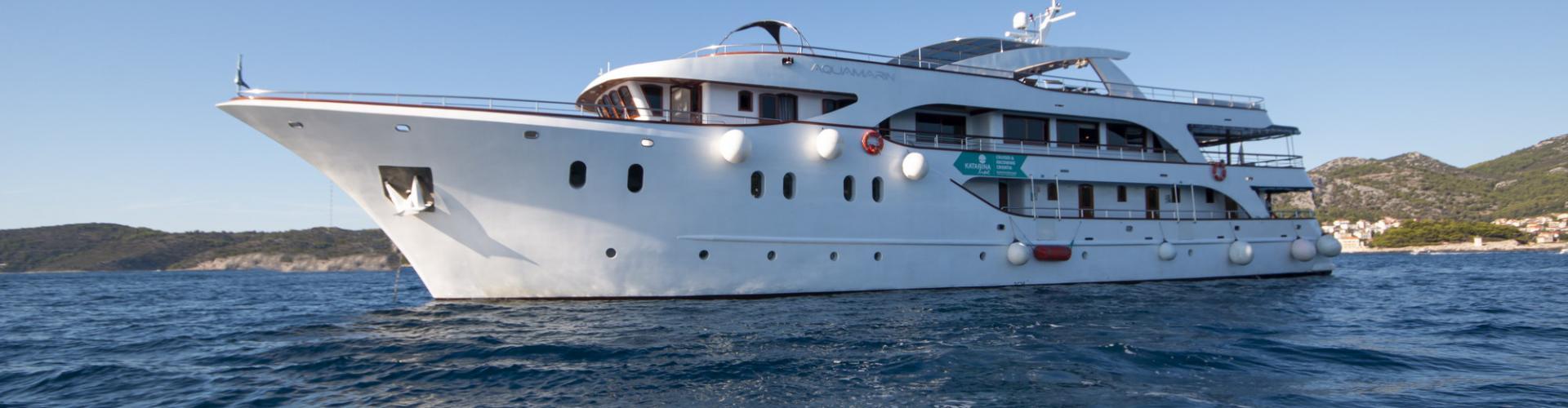 Deluxe nave da crociera MV Aquamarin- yacht a motore
