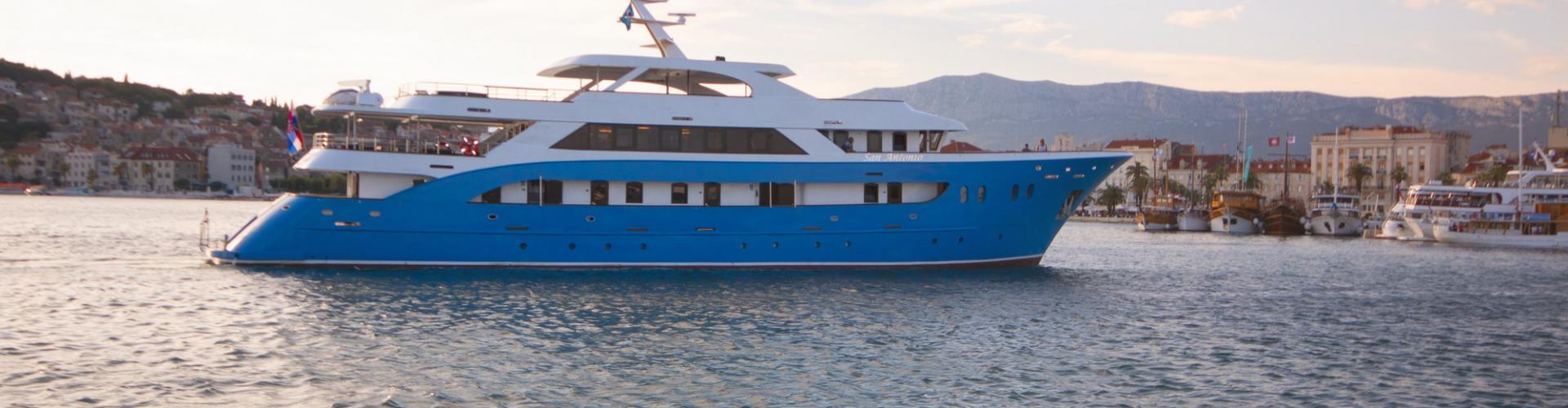 barca a motore Deluxe nave da crociera MV Antonio