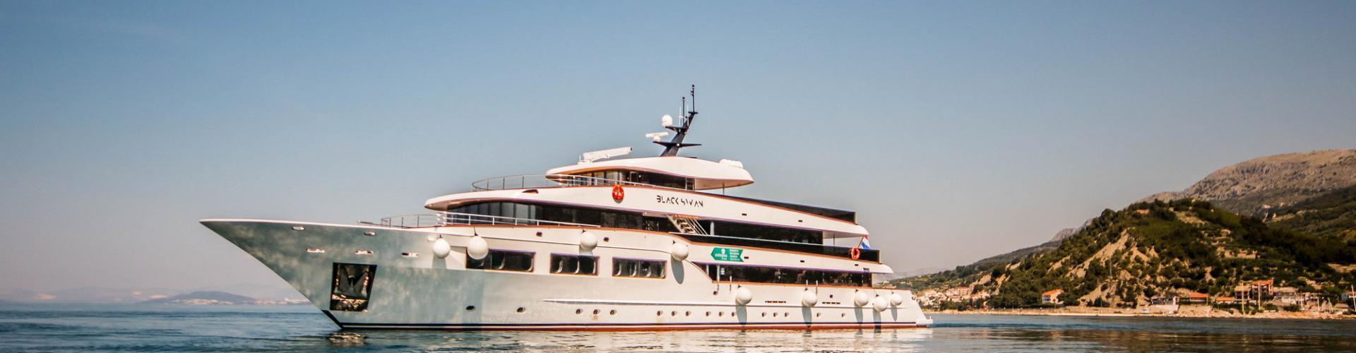 Deluxe Superior nave da crociera MV Black Swan- yacht a motore
