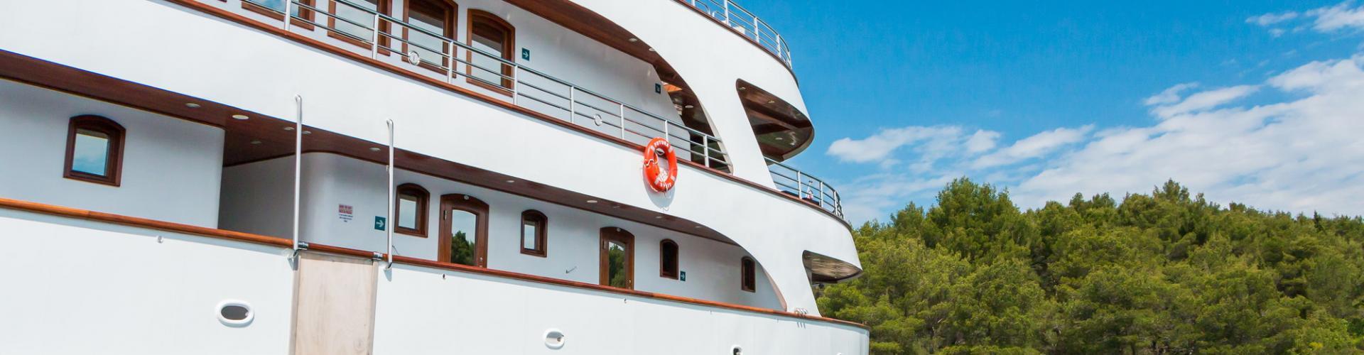 2013. Deluxe Superior nave da crociera MV Futura