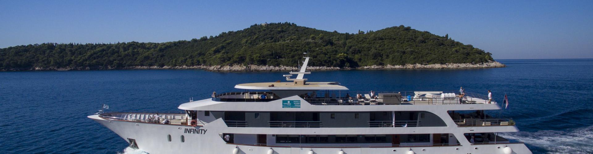 Deluxe Superior nave da crociera MV Infinity- yacht a motore