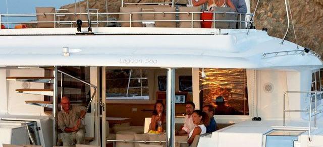 catamarano Lagoon 560