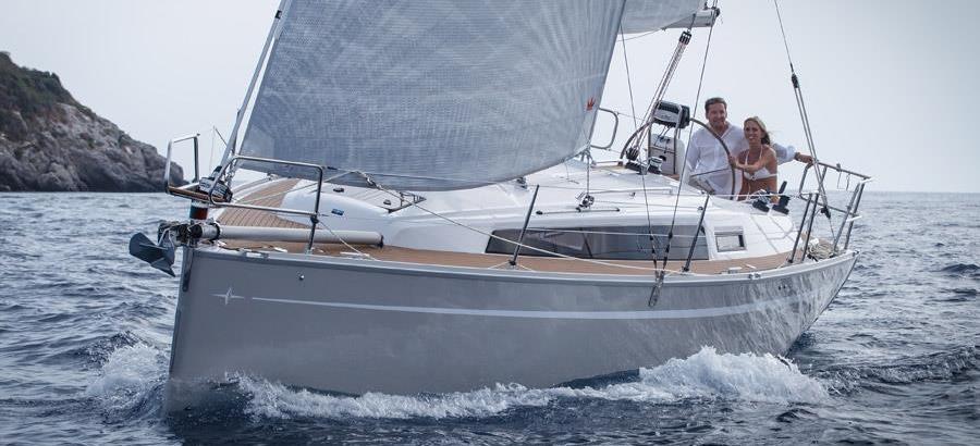 2016. Bavaria Cruiser 33