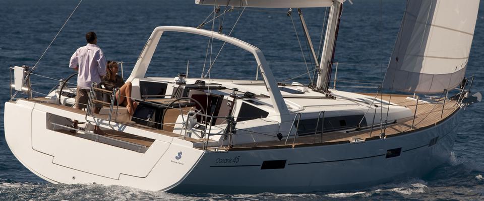 2016. Oceanis 45