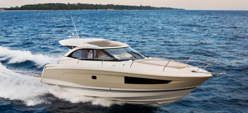 barca a motore Leader 36