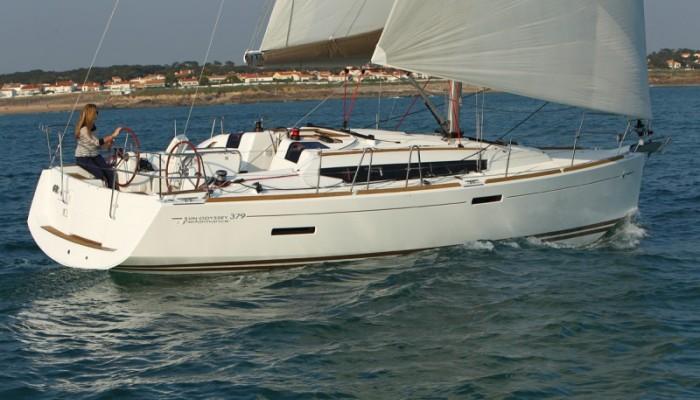 Sun Odyssey 379 2012