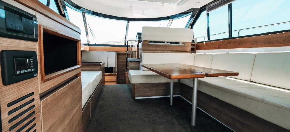 barca a motore Sealine F 450