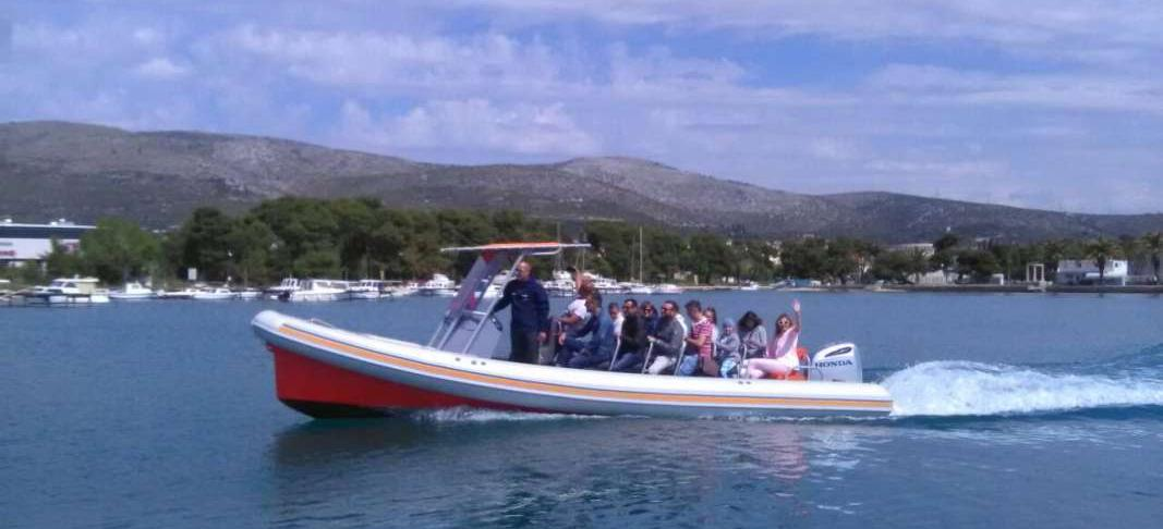 barca a motore Colnago 27