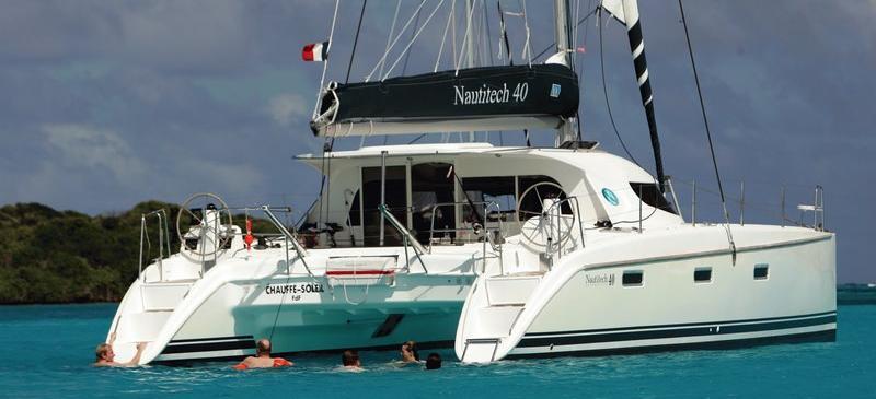 catamarano Nautitech 40