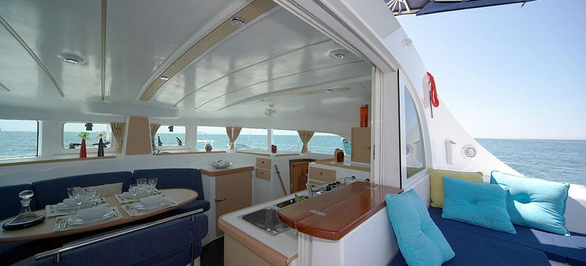 catamarano Lagoon 380'14