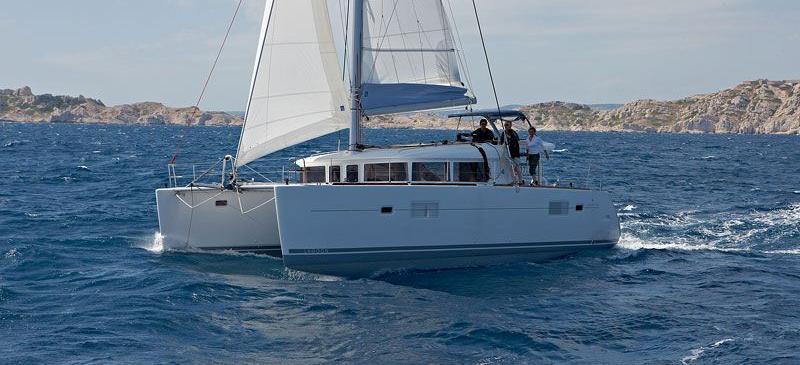 catamarano Lagoon 400
