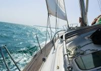 Affrontare il mal di mare durante una vacanza in barca a vela