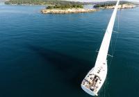 Recensione barche: lo yacht a vela Hanse 505
