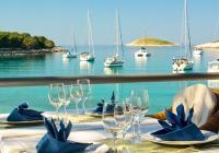 Come ordinare piatti a base di pesce durante una vacanza in barca