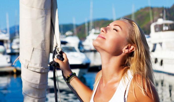 Navigare proteggendosi dal sole