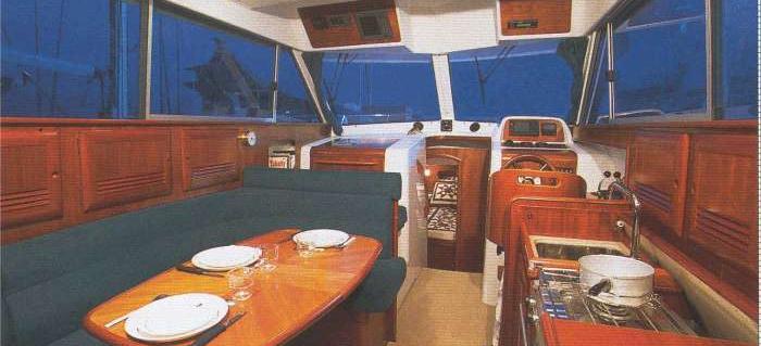 barca a motore Antares 10.80