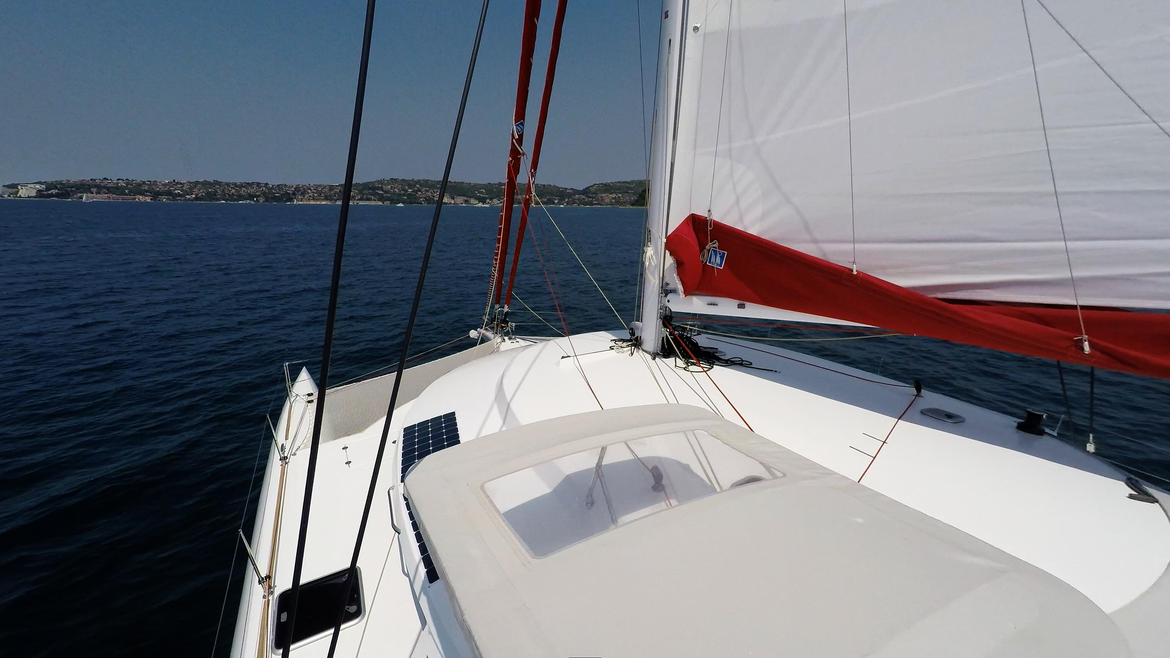 coperta di trimarano  barca a vela neel 45