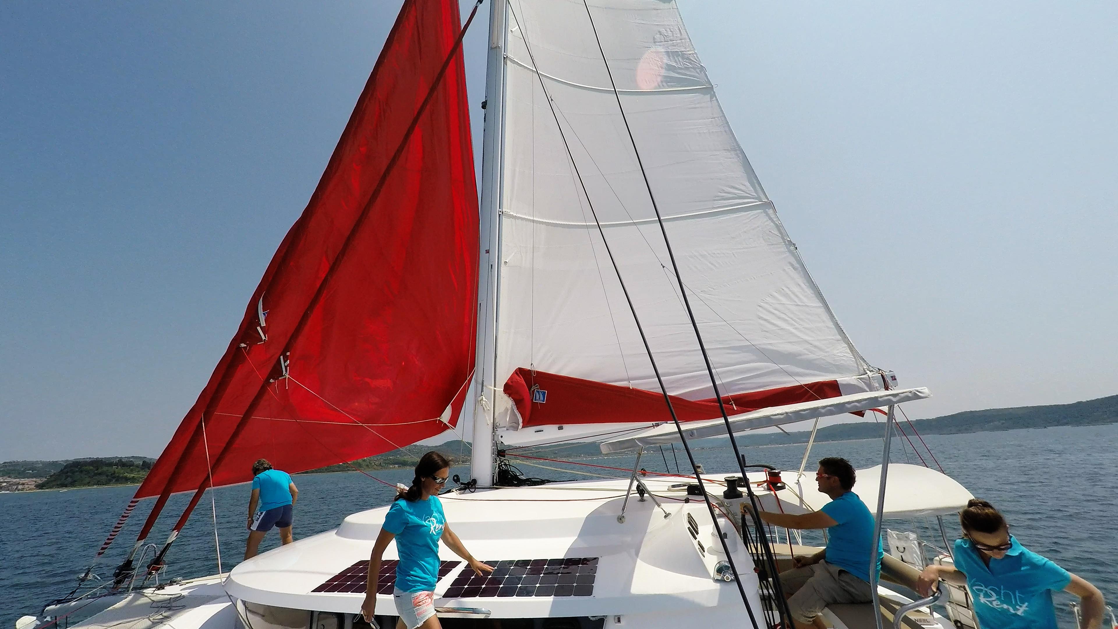 hoisting gennaker sul barca a vela