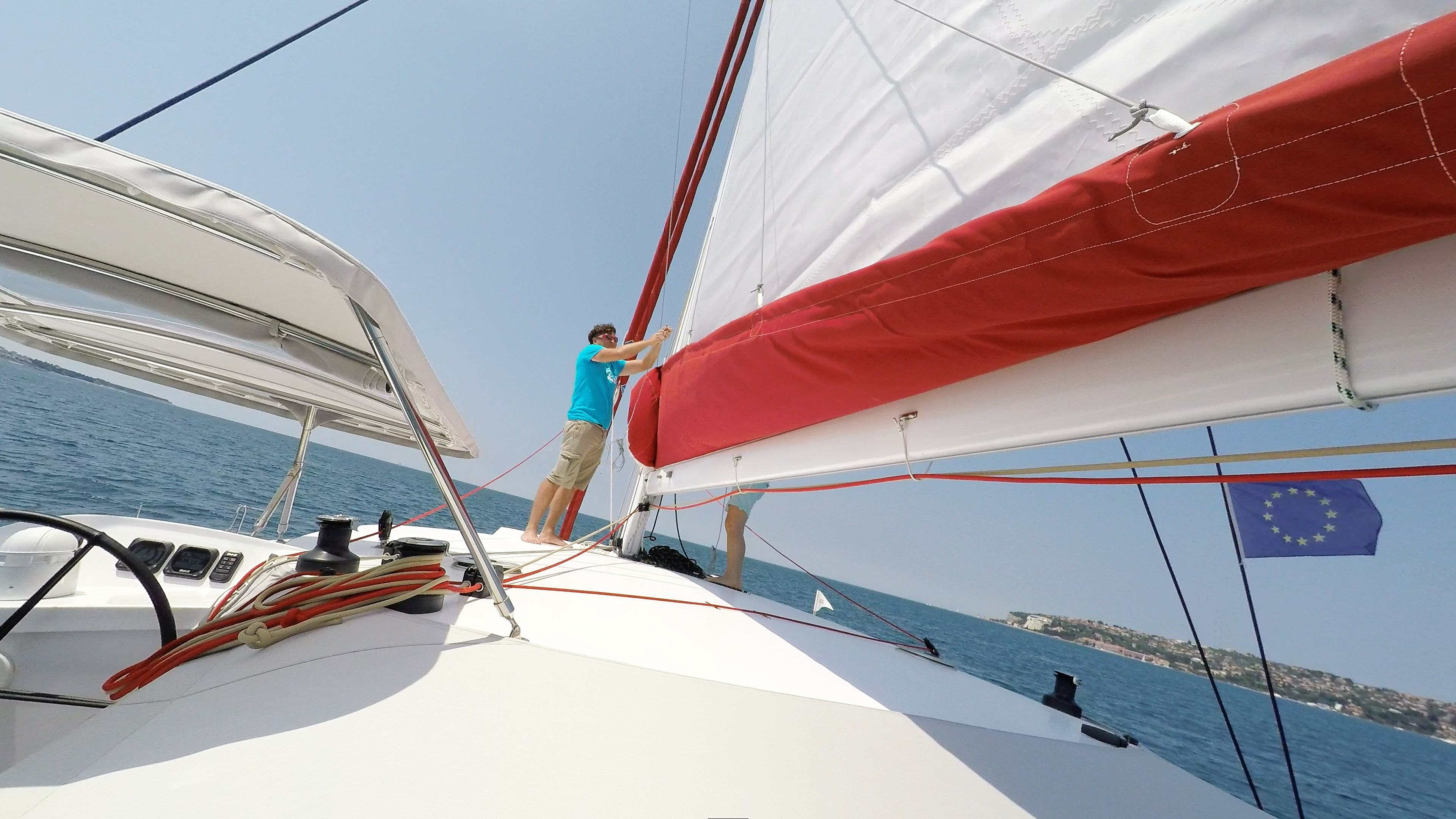 hoisting randa barca a vela trimarano neel 45