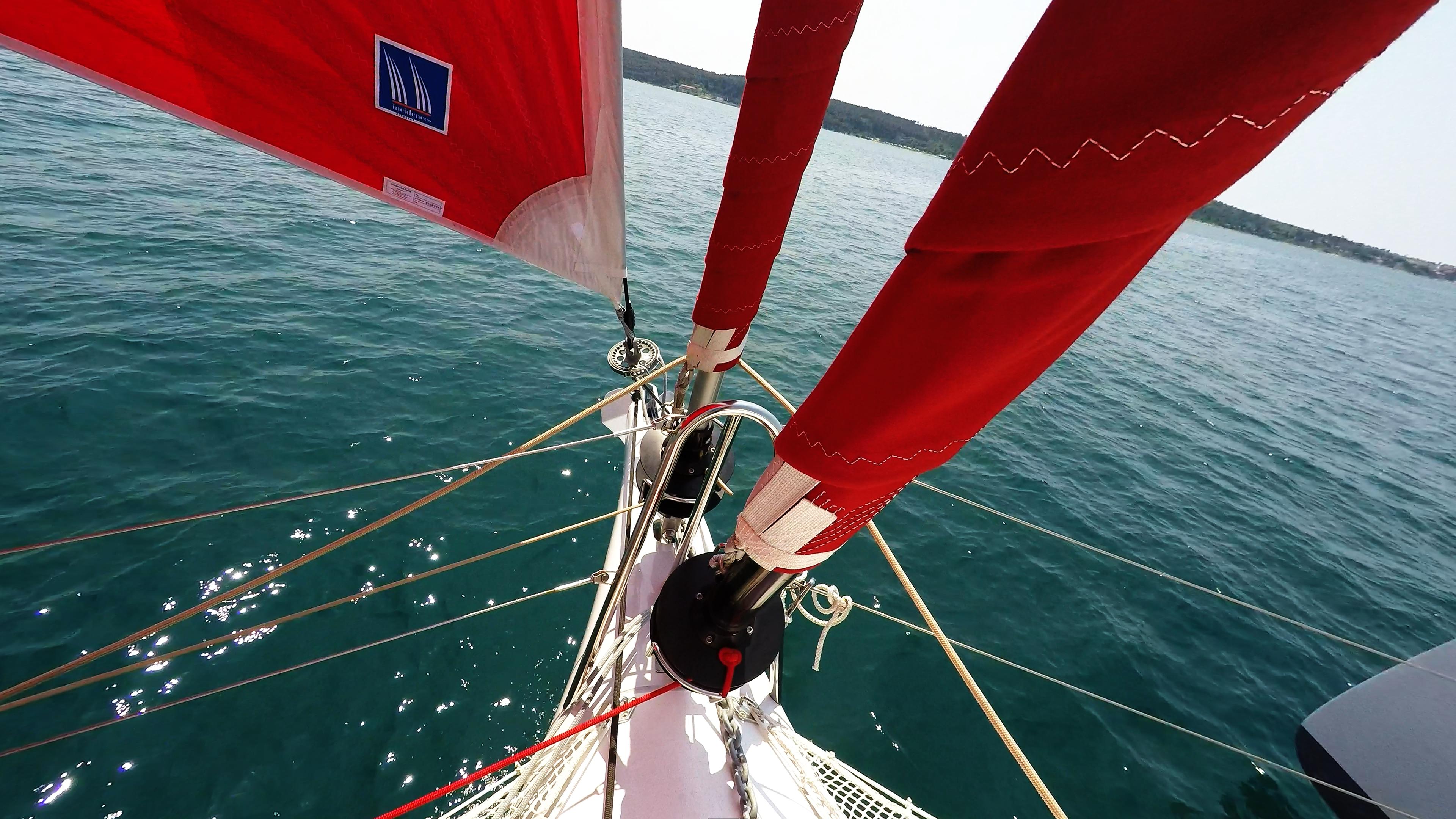 multiscafo yacht prua roll genoa vela gennaker
