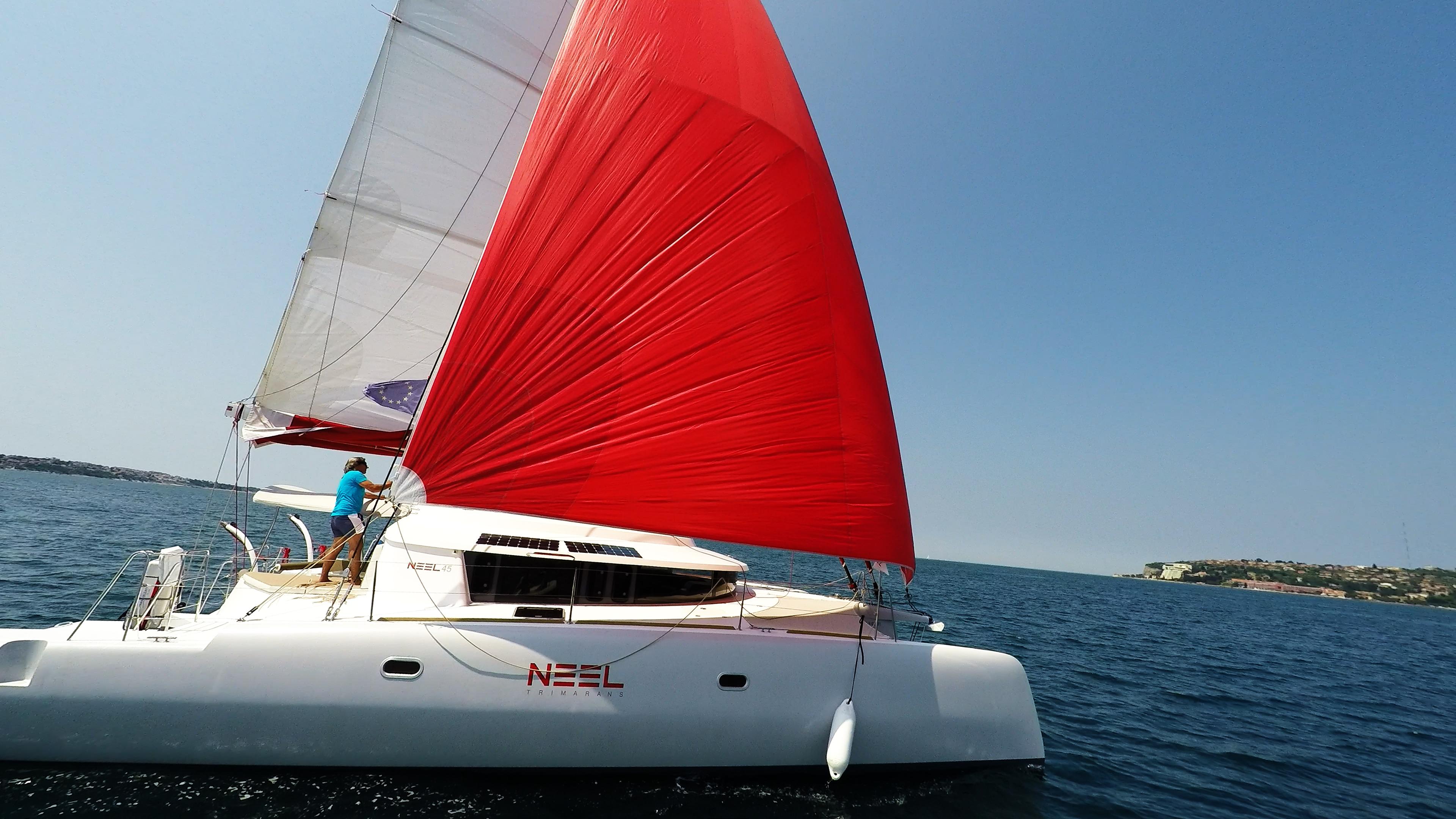 barca a vela neel 45