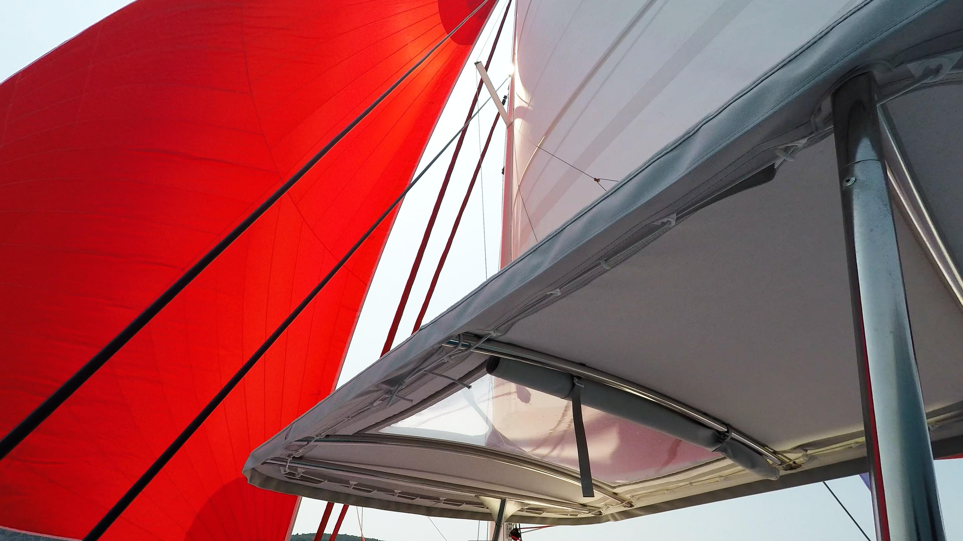 skipper cockpit cima sul trimarano barca a vela neel 45