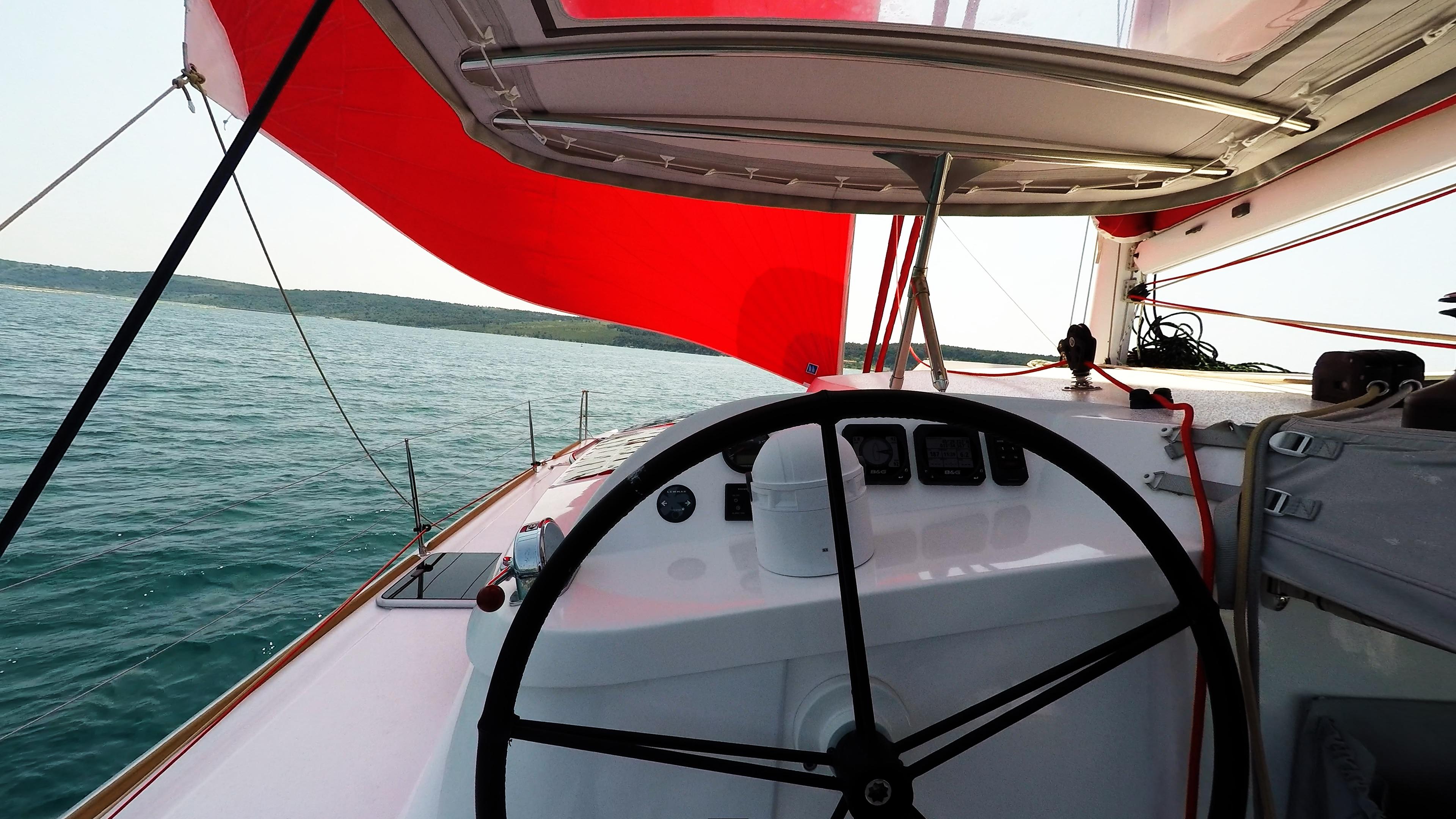 ruota del timone barca a vela trimarano neel 45
