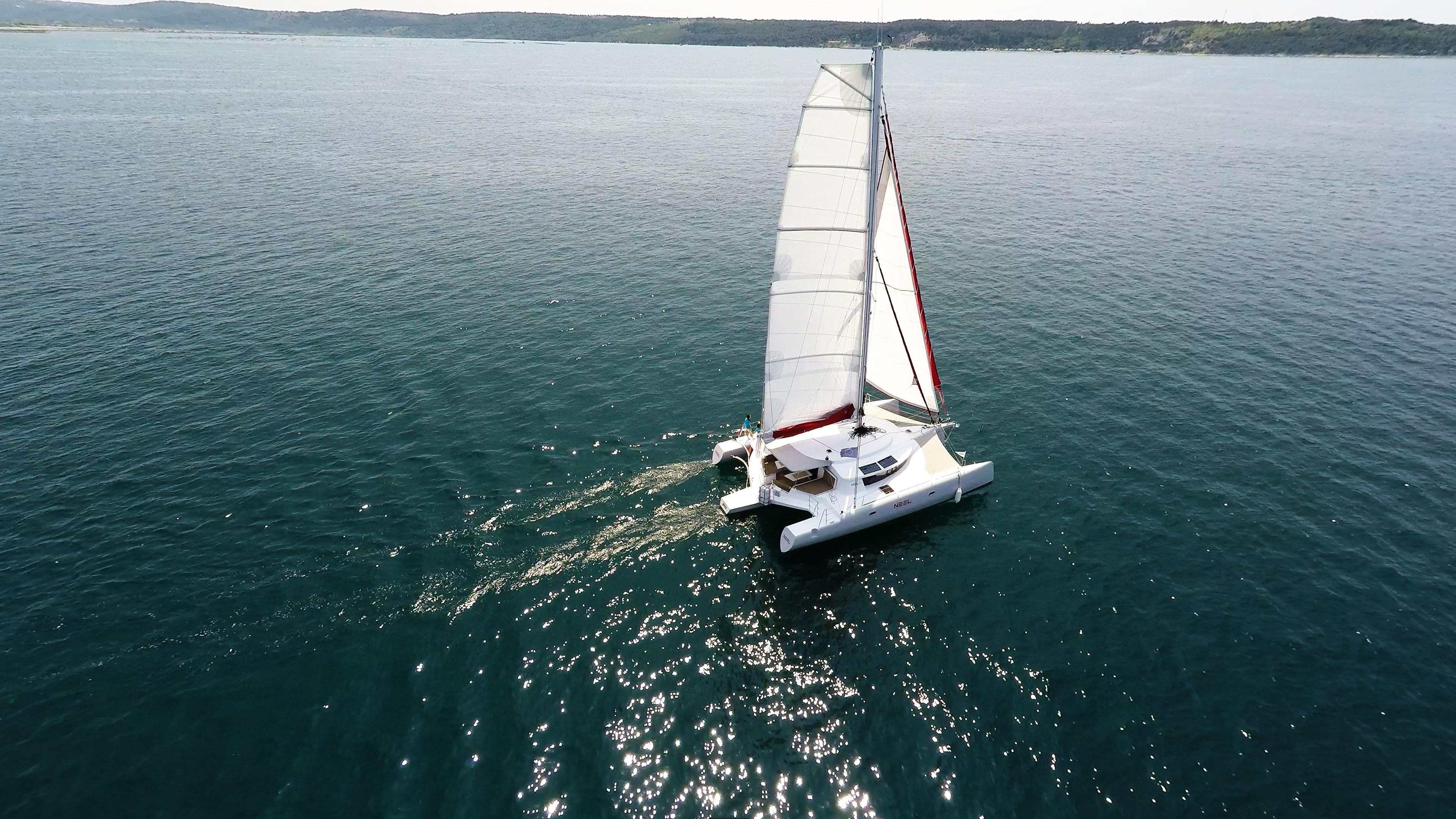 noleggio yacht trimarano al mare