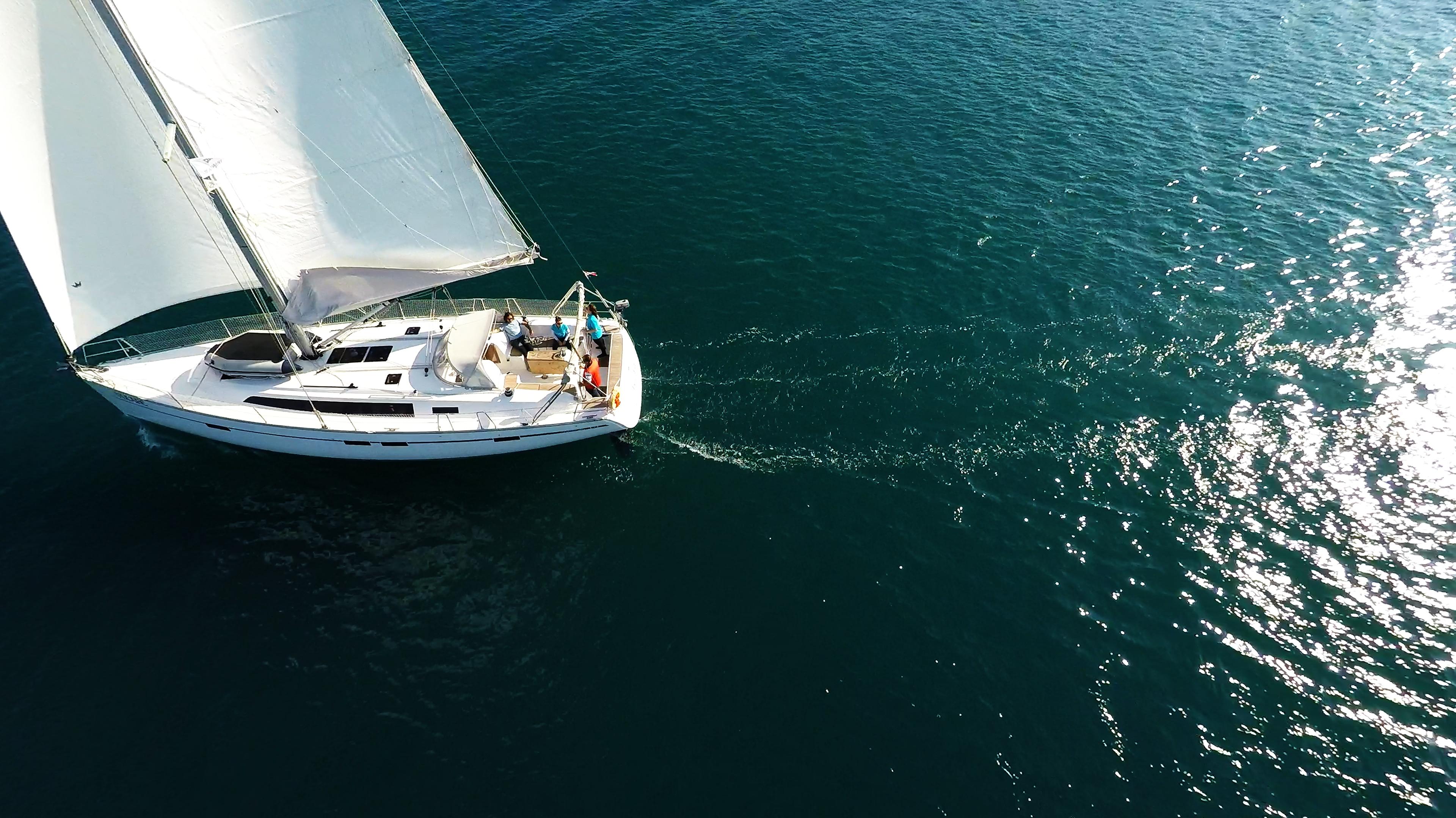 barcha a vela bavaria 46 pozzetto vela vele yacht a vela canottaggio