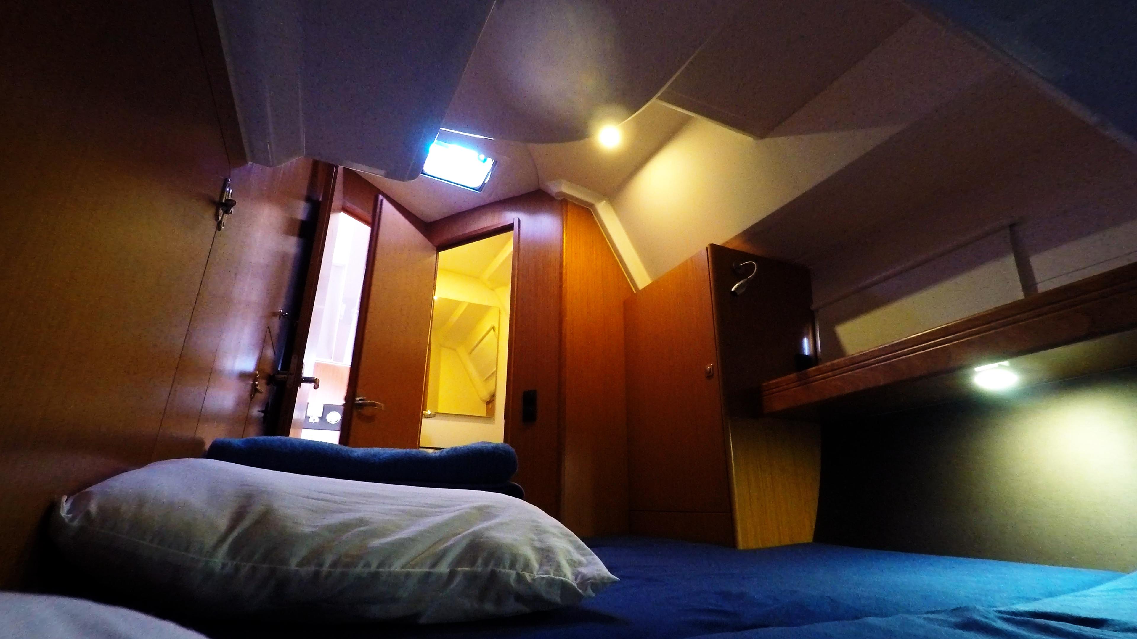 barcha a vela bavaria 46 cruiser yacht a vela interno cabina destra a poppa
