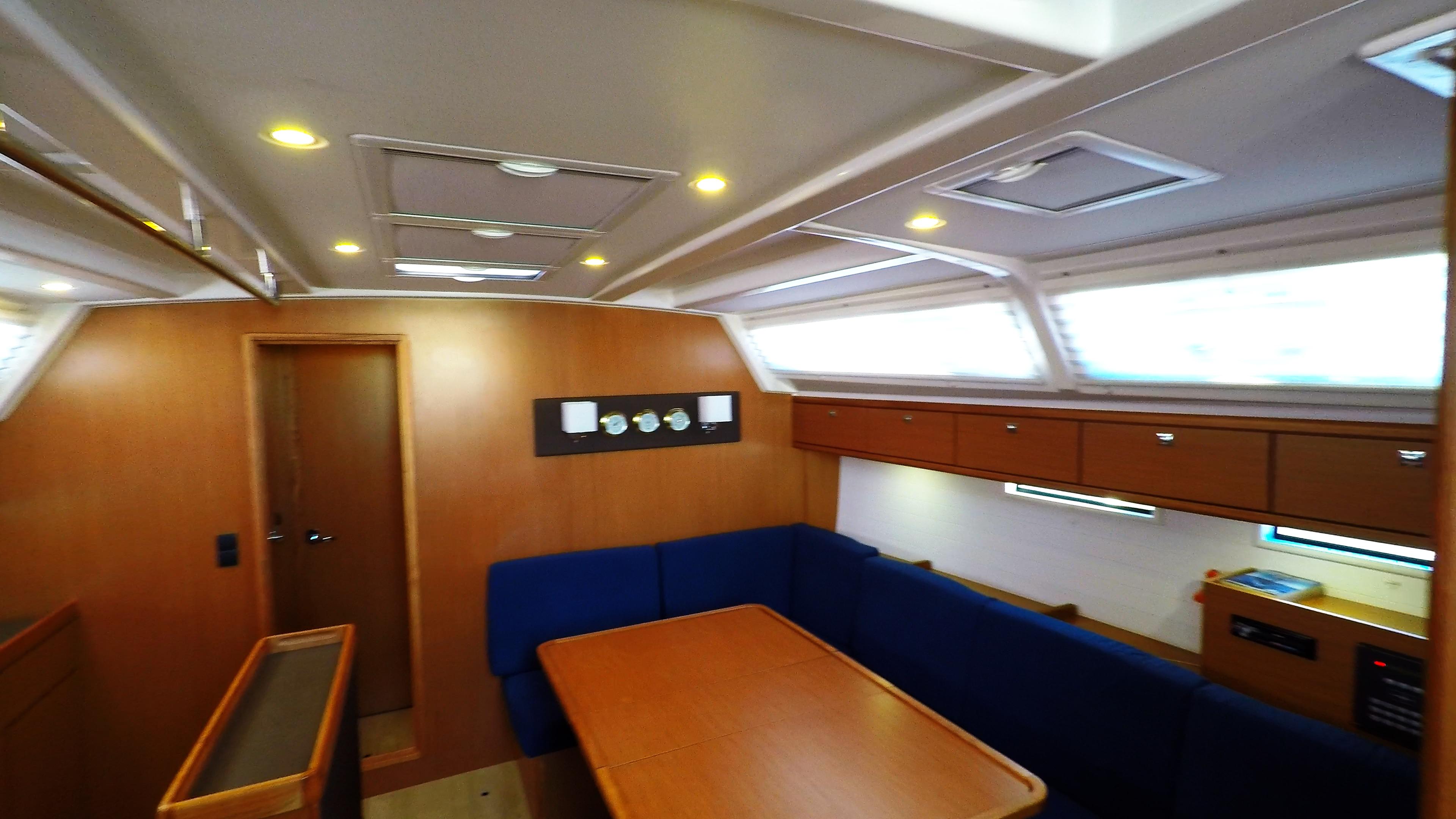 barcha a vela bavaria 46 cruiser yacht a vela interno salonee 1