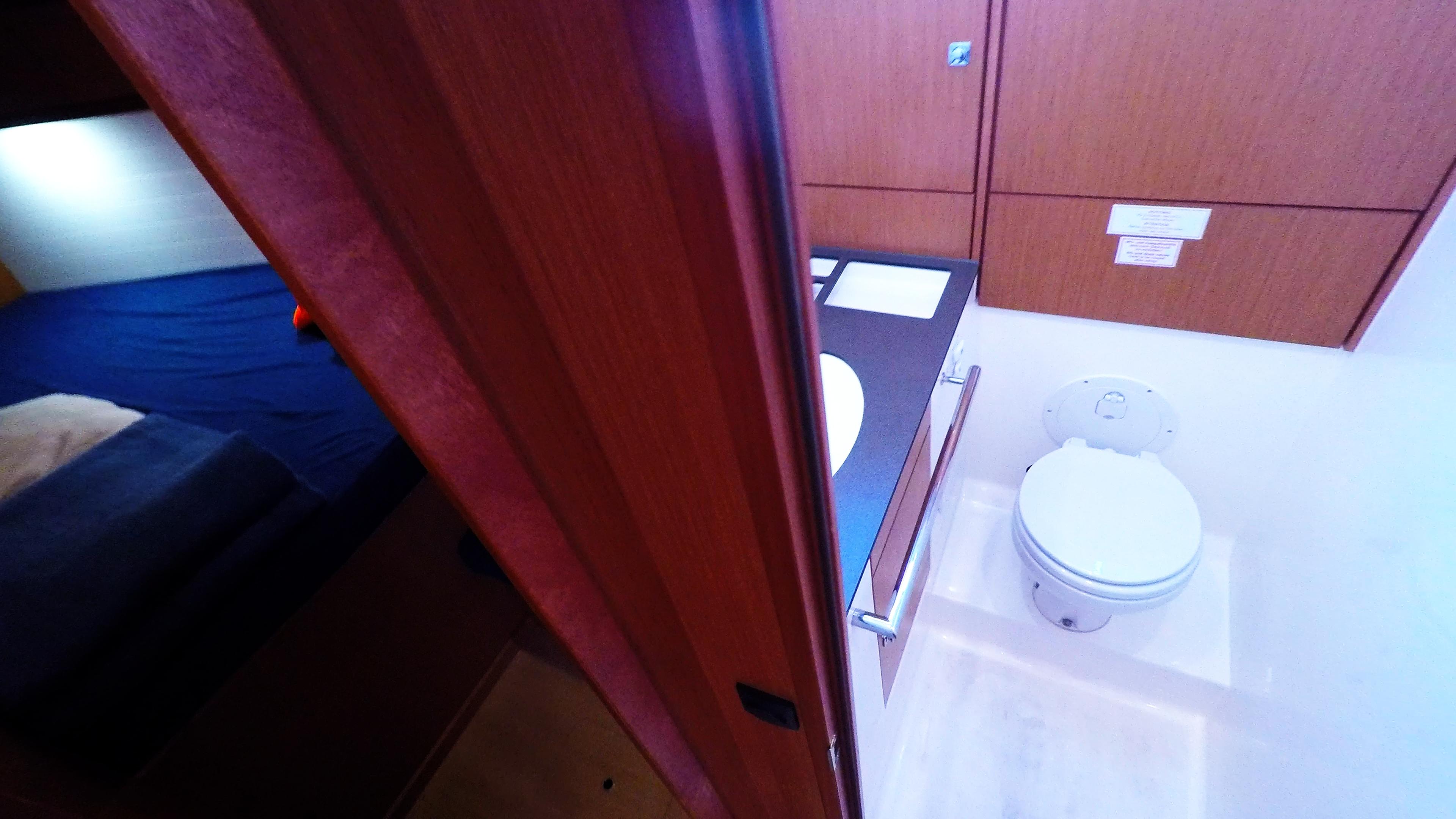 barcha a vela bavaria 46 cruiser yacht a vela interno gabinetto cabina anteriore destra