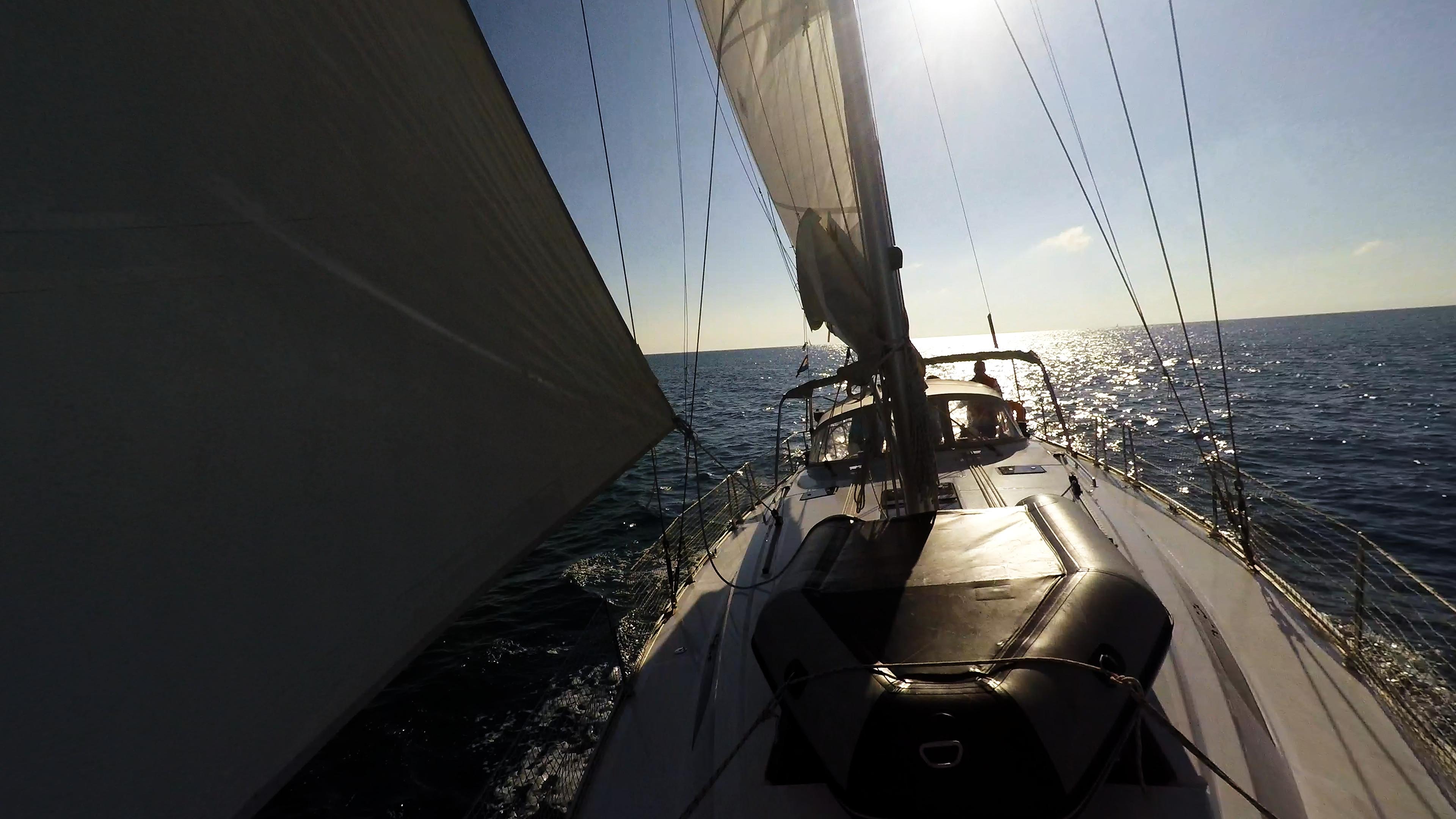 barcha a vela bavaria 46 gommone al ponte yacht a vela sole vele genova
