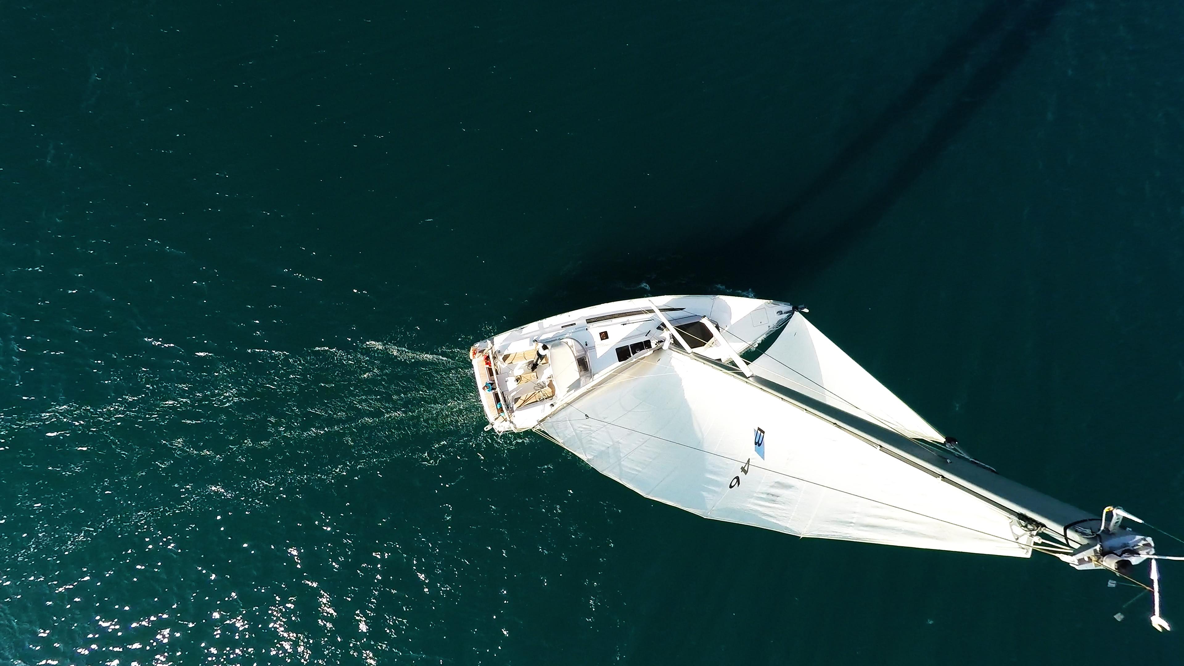 barcha a vela bavaria 46 yacht a vela albero randa