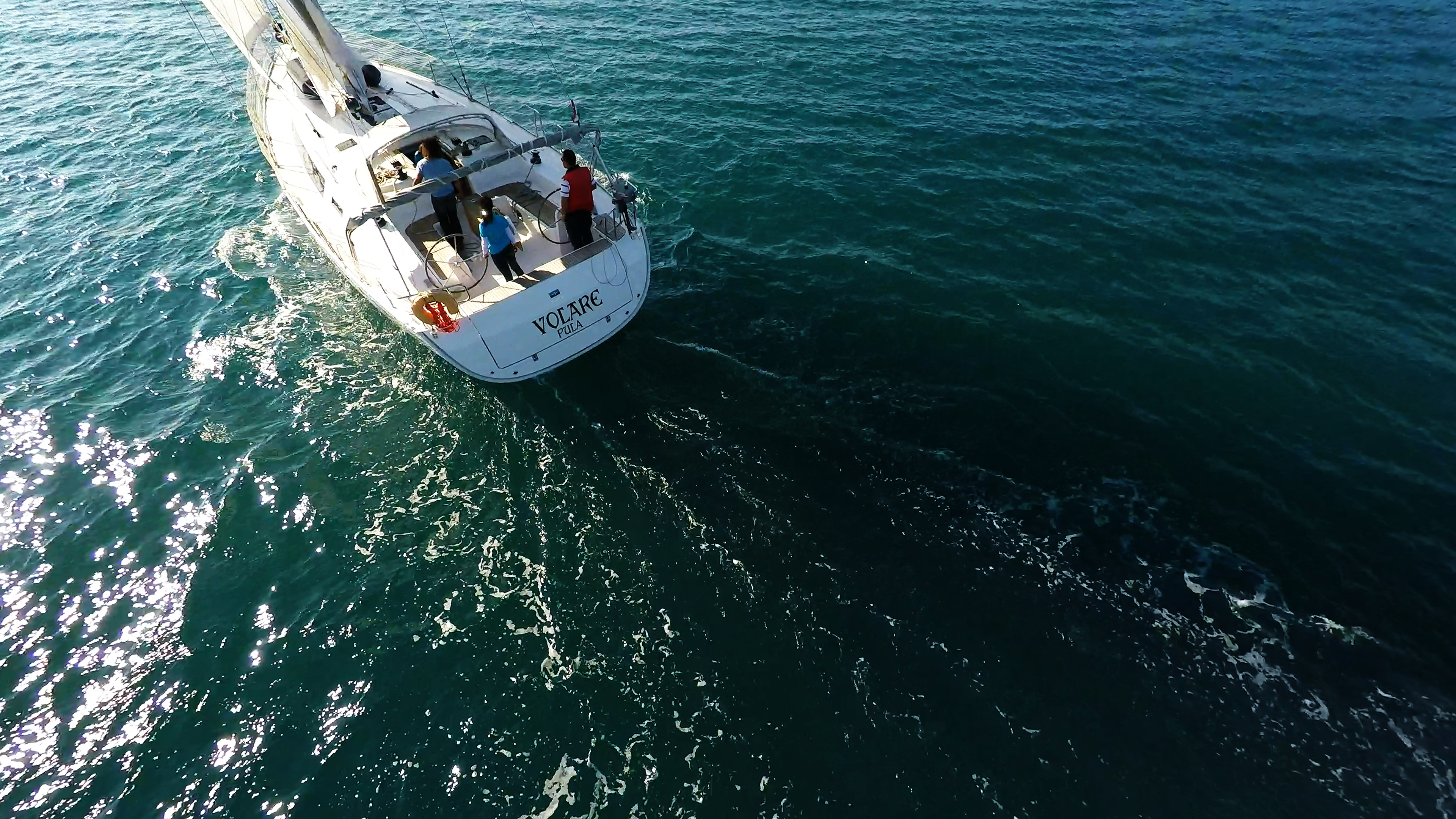 barcha a vela bavaria 46 yacht a vela vela teak pozzetto