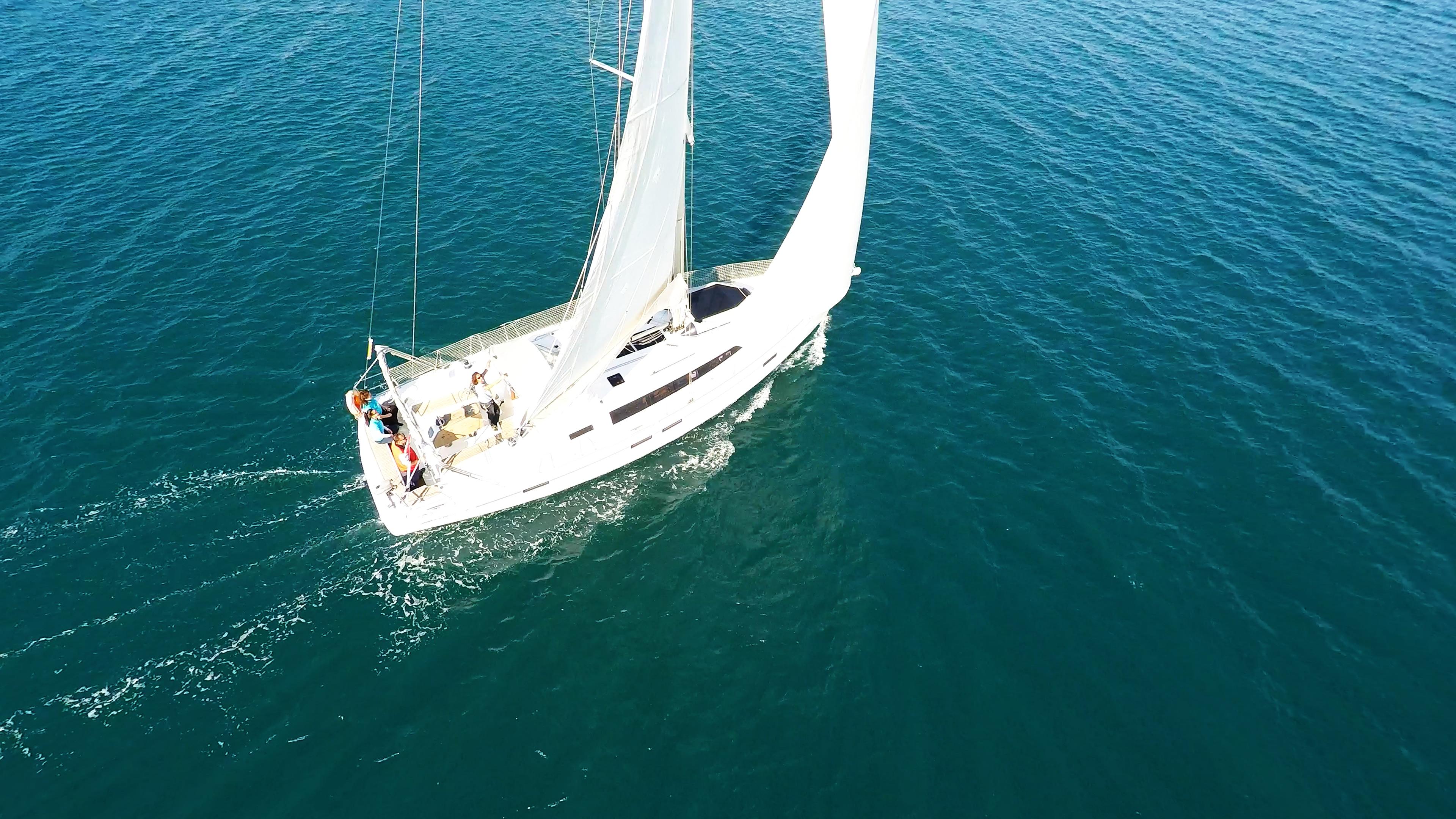 barcha a vela bavaria 46 yacht a vela sotto le vele