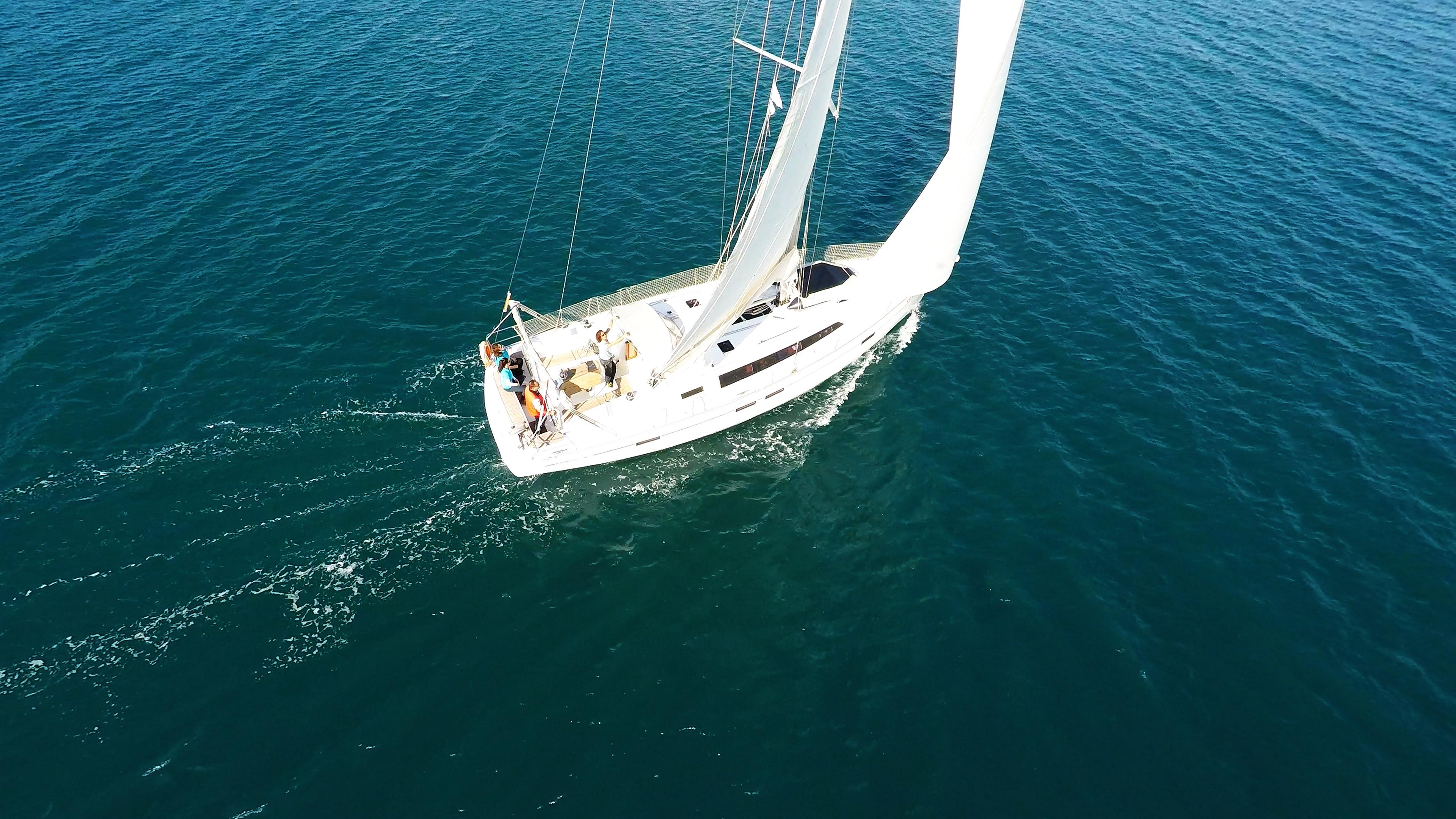 barcha a vela bavaria 46 sotto le vele yacht a vela