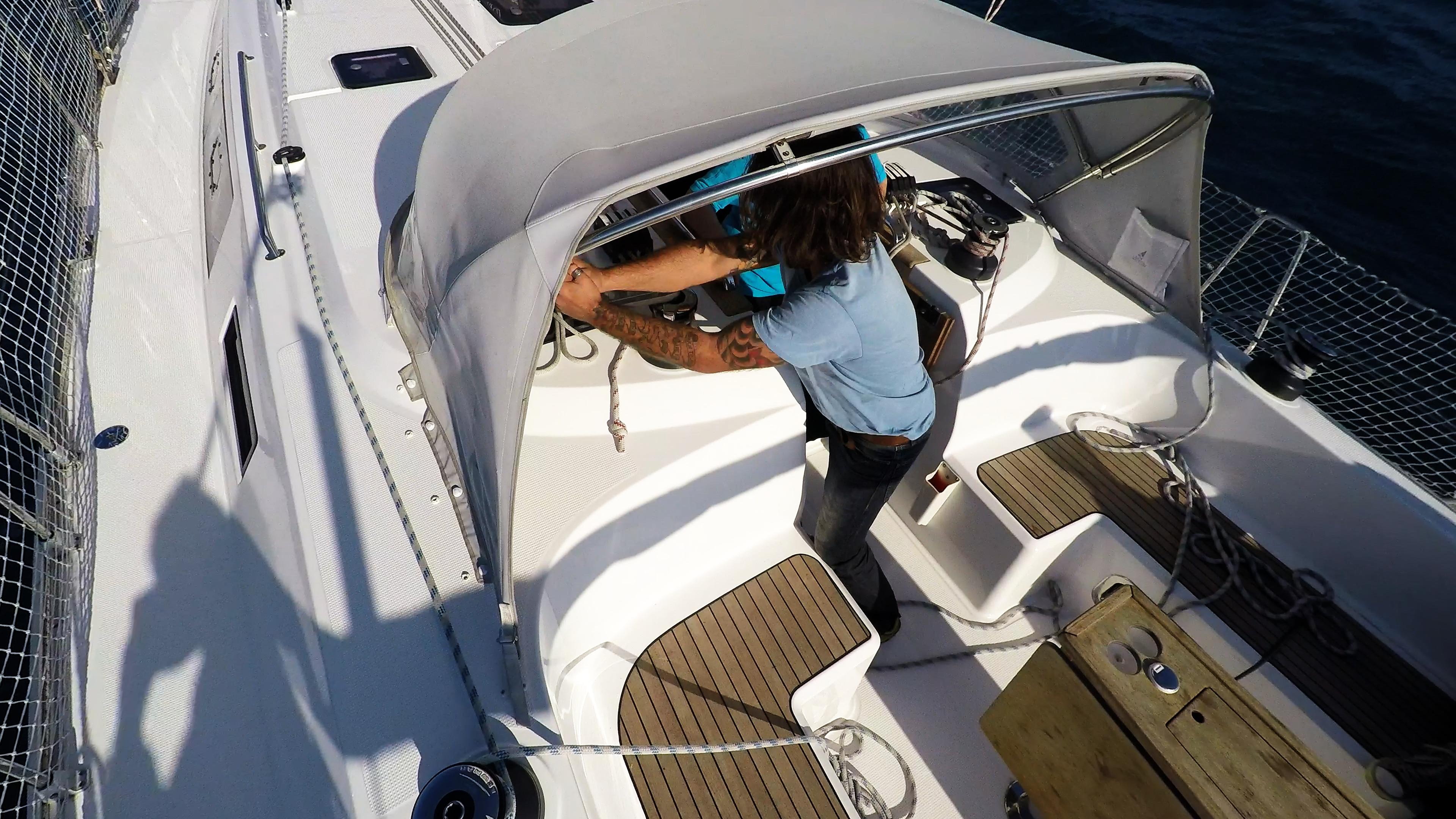barcha a vela pozzetto verricello yacht a vela bavaria 46