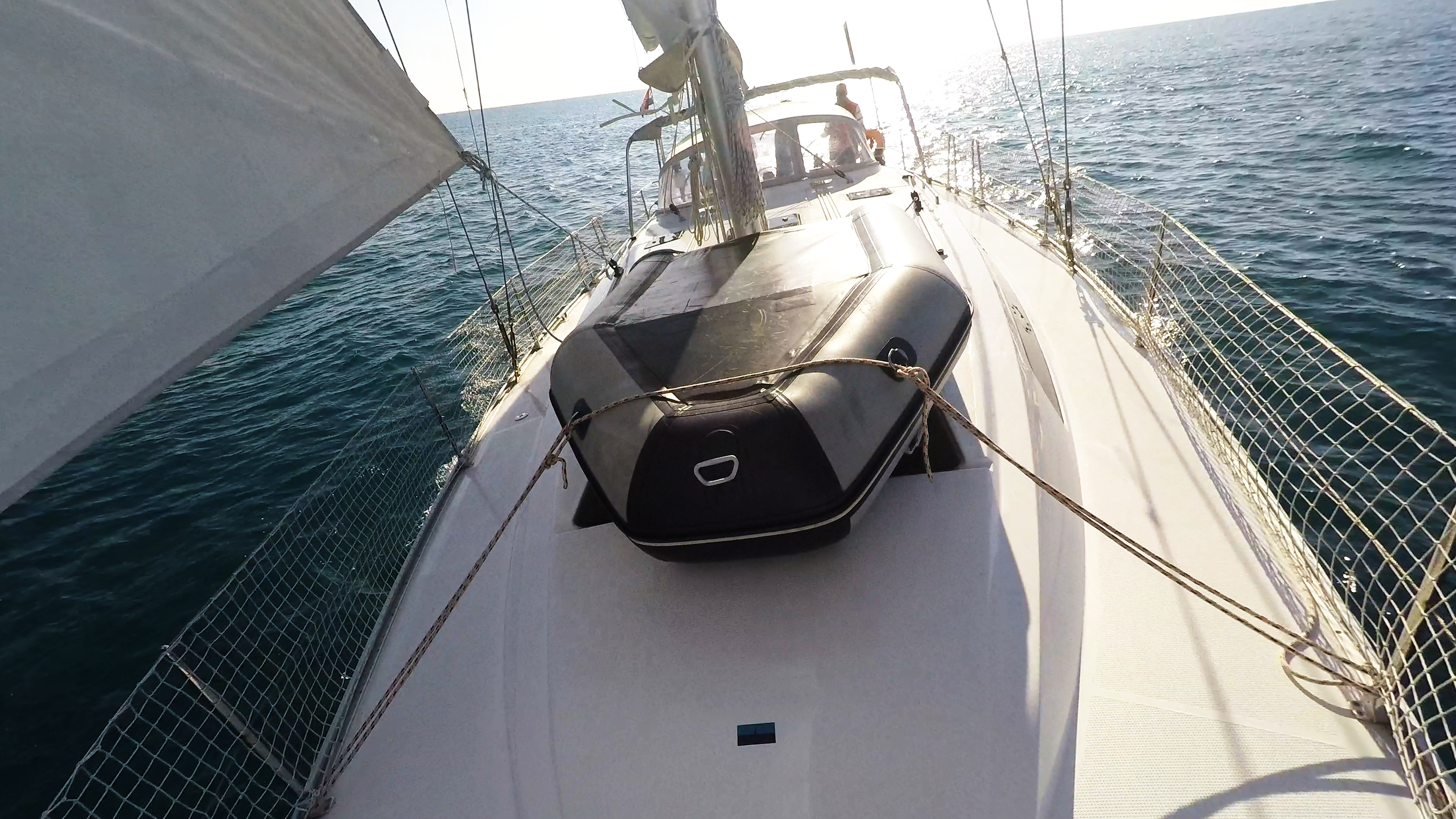 barcha a vela gommone al ponte yacht a vela bavaria 46 rete di sicurezza
