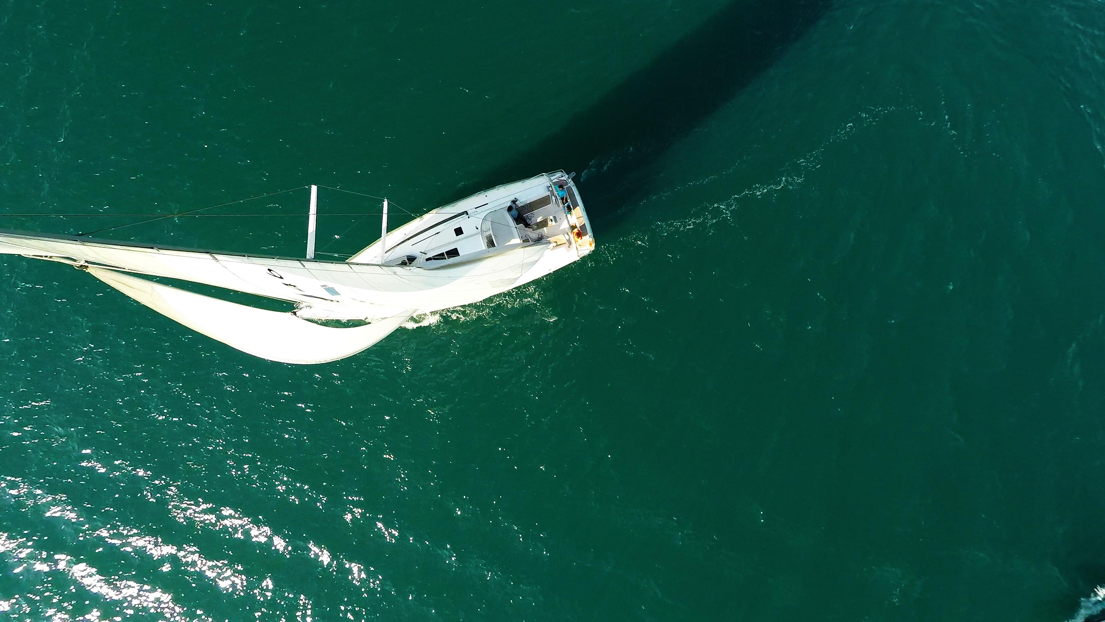 barcha a vela barca a vela pozzetto da sopra vele yacht a vela