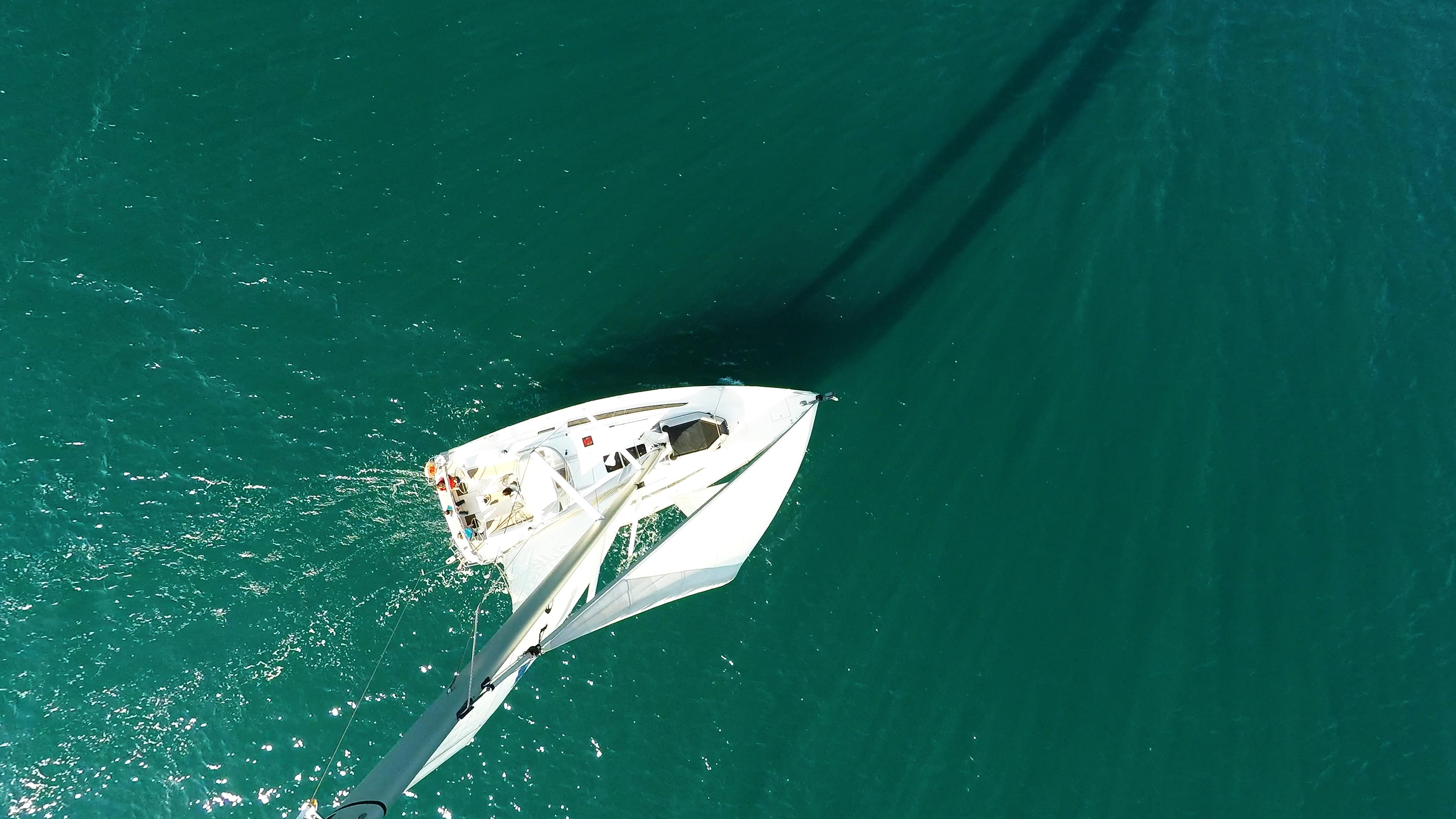 barcha a vela barca a vela dal cielo vele ponte