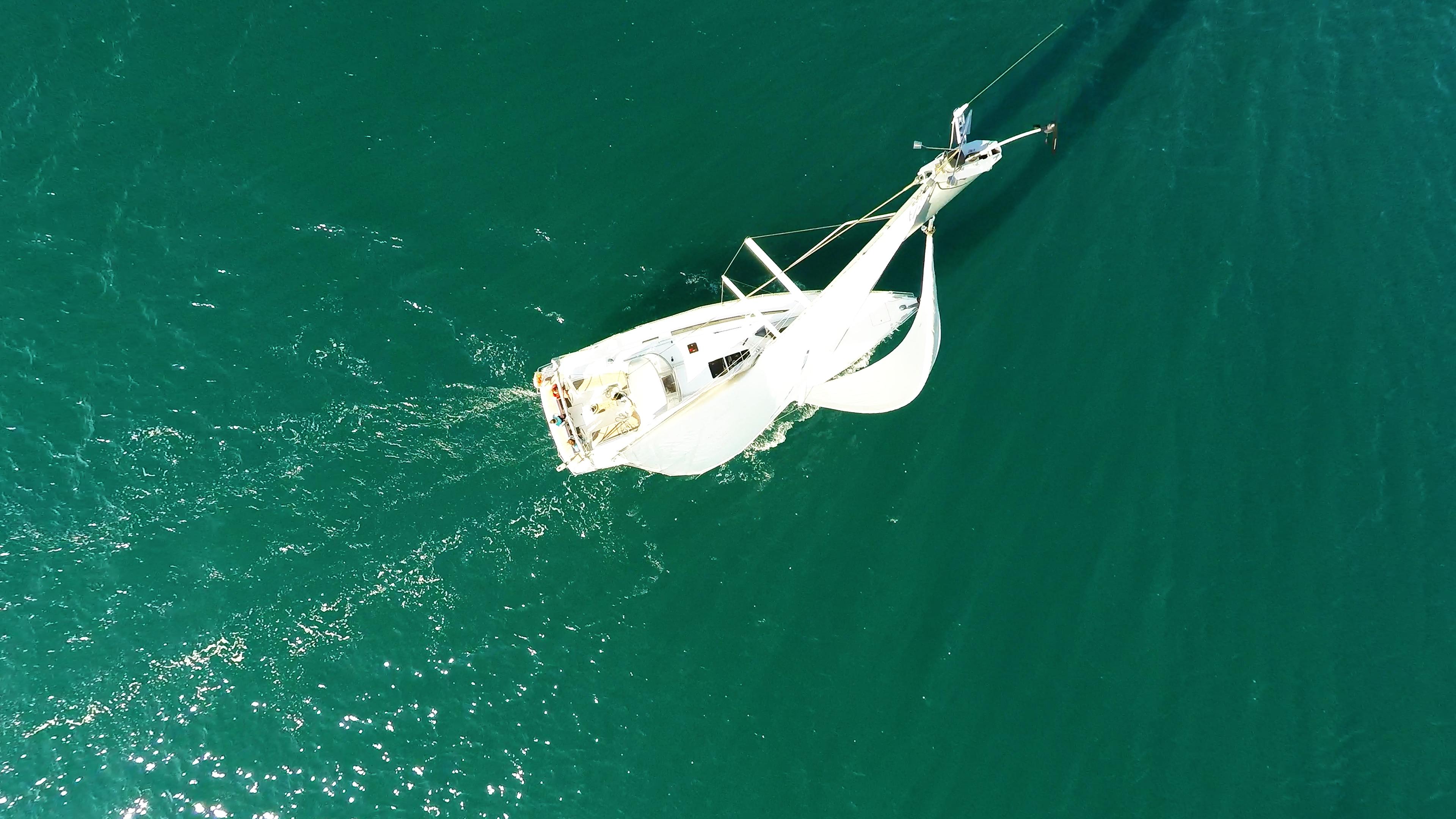 barcha a vela barca a vela da cima d'albero yacht a vela