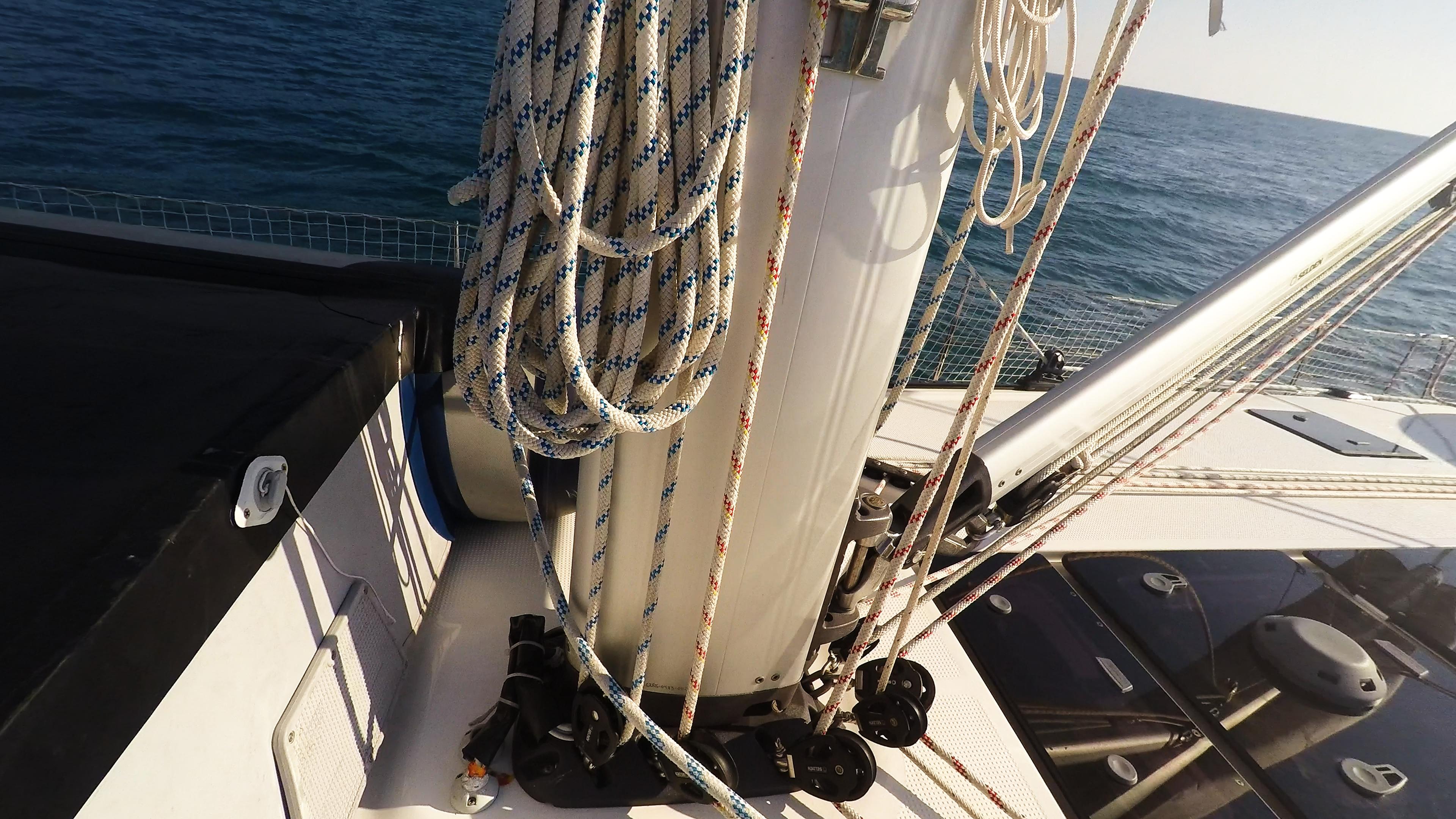 barcha a vela barca a vela fondo del albero corde vang