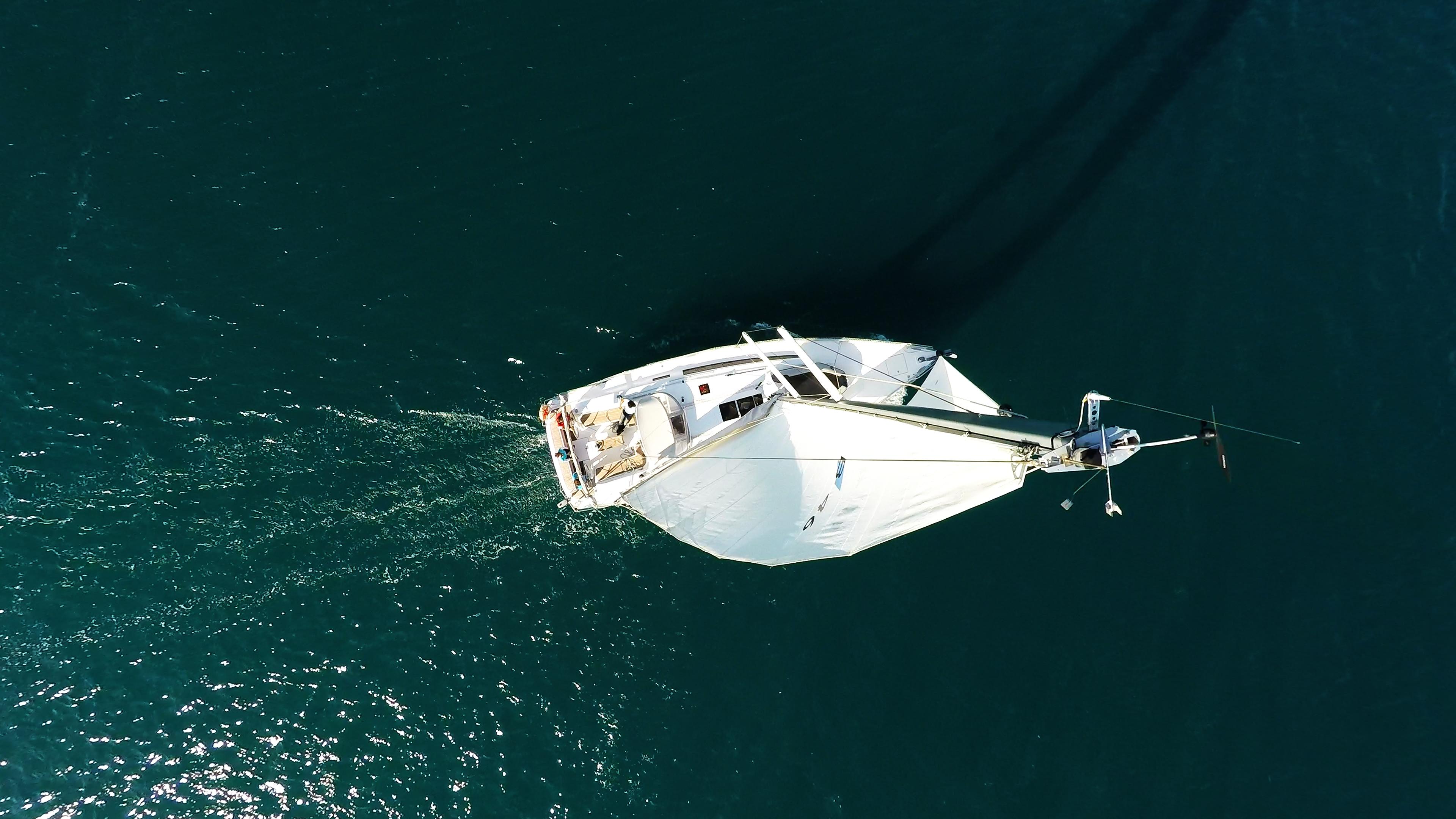barcha a vela barca a vela nadir yacht a vela cima dell'albero