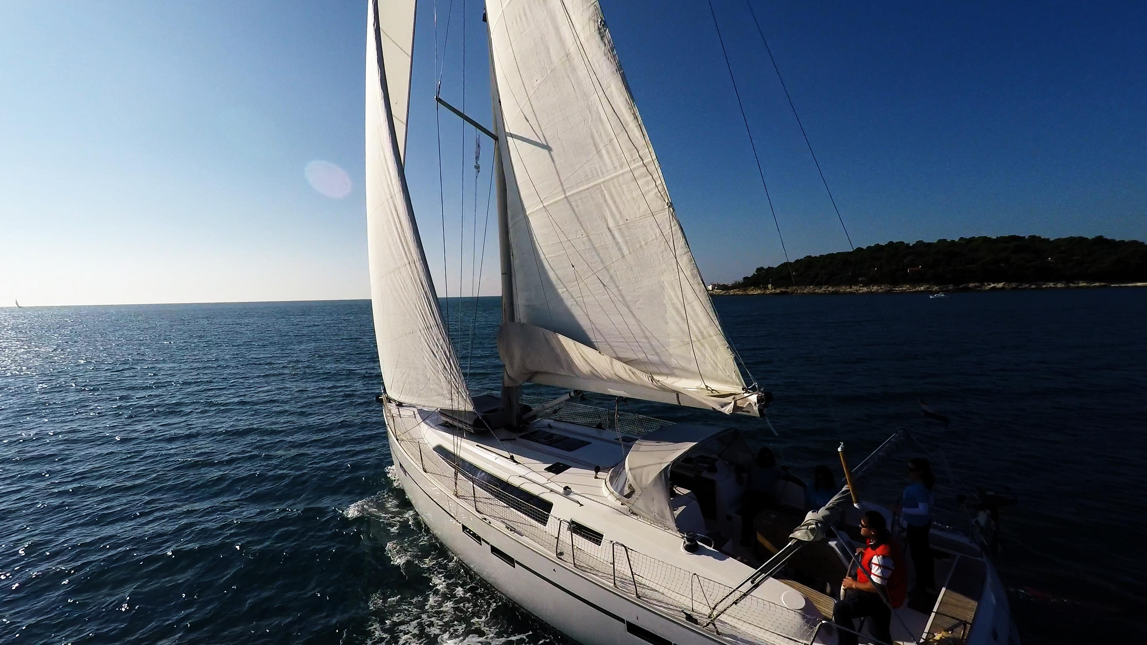 barcha a vela barca a vela yacht a vela bavaria 46 cruiser skipper equipaggio pozzetto