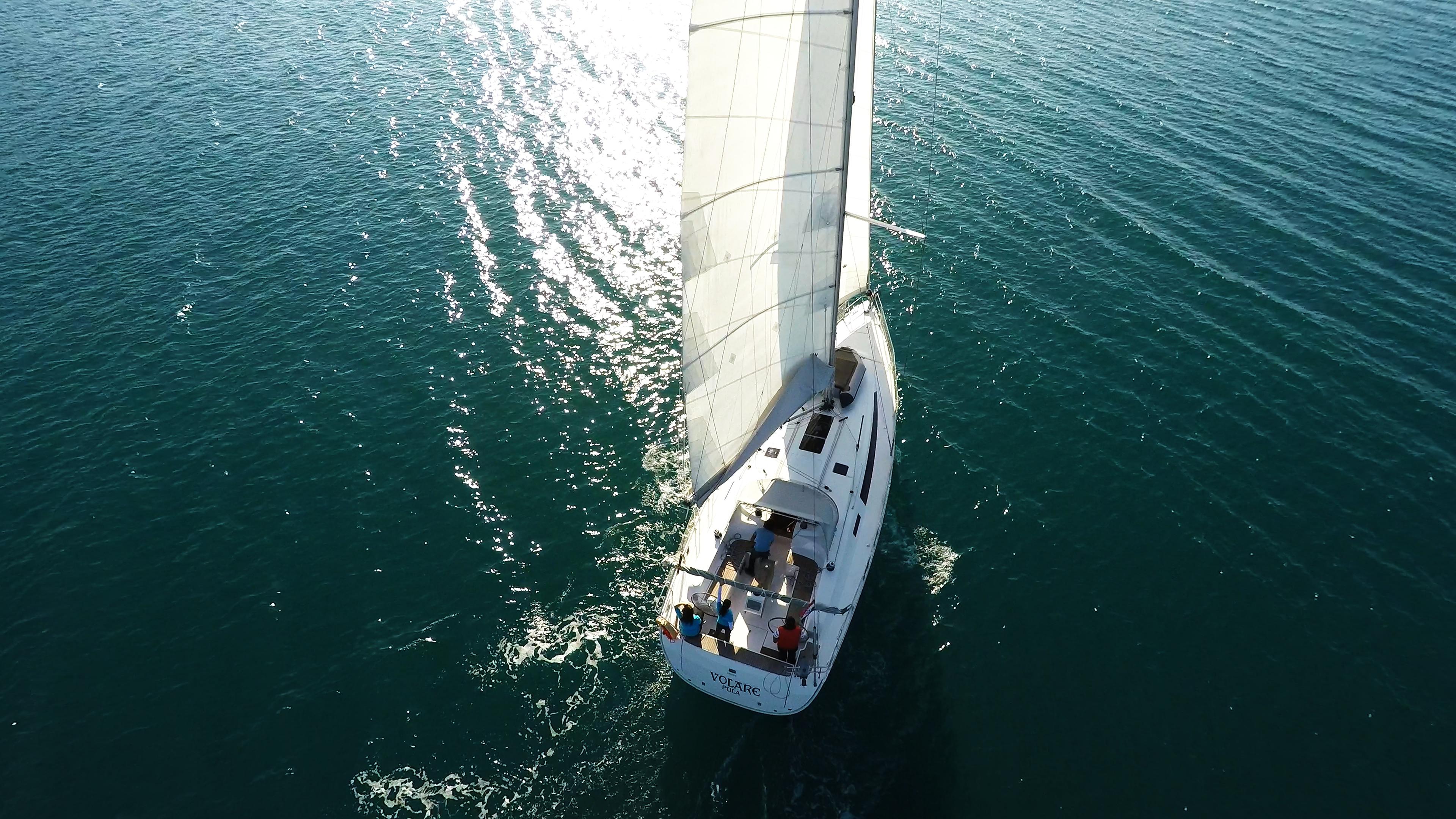 barcha a vela veleggiare bavaria 46 yacht