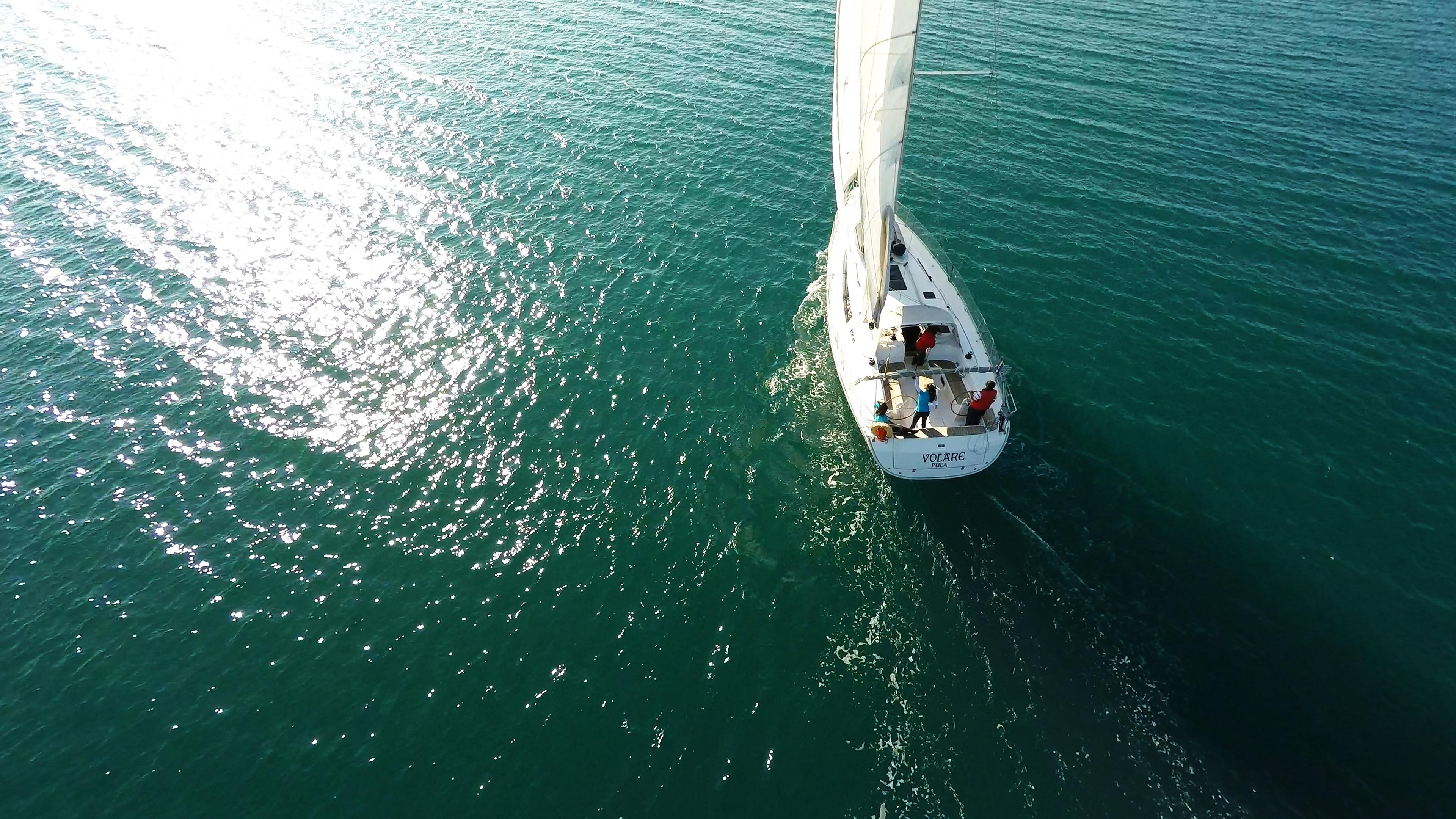 barcha a vela navigando al sole yacht barca a vela