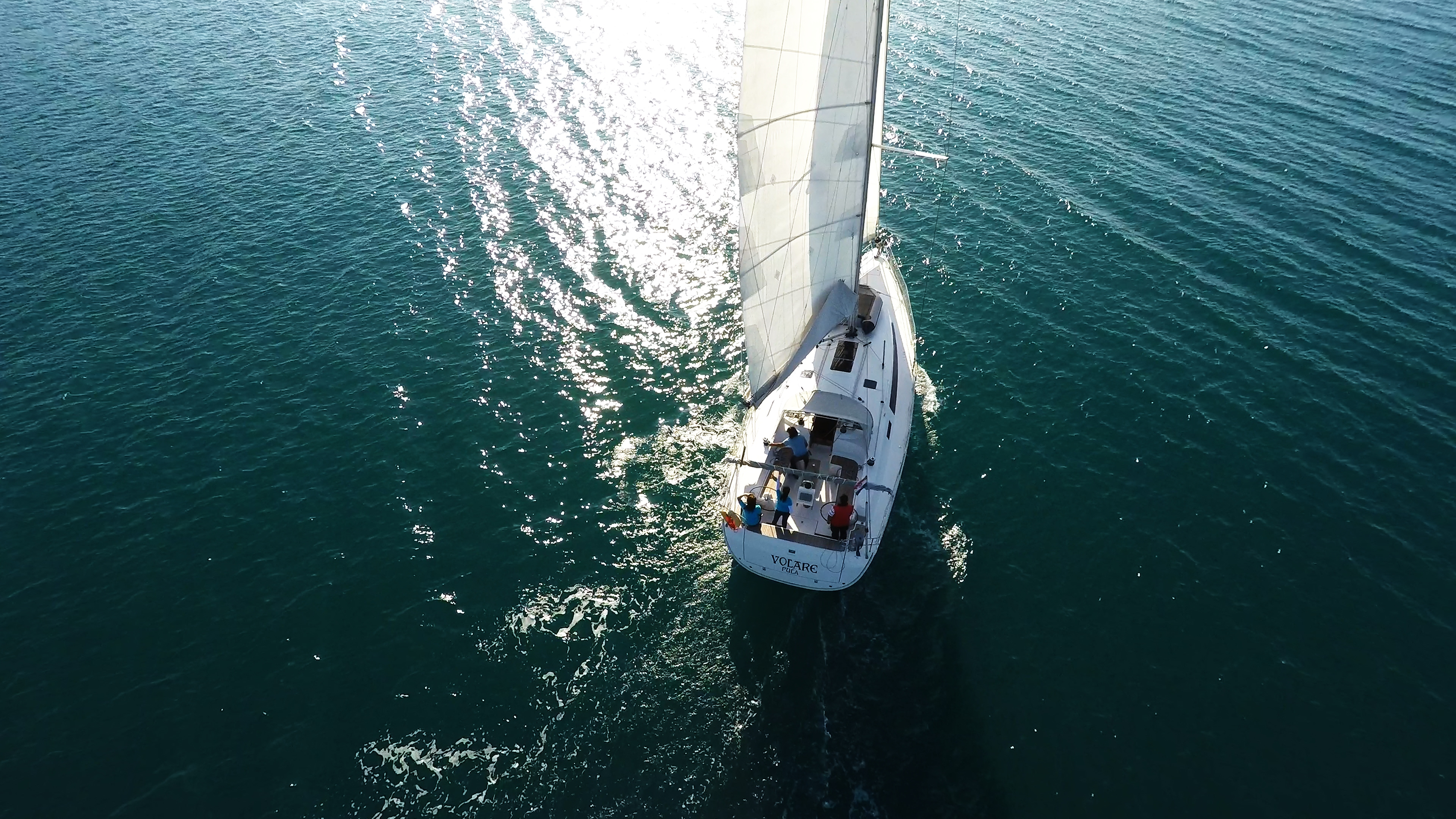 barcha a vela yacht a vela bavaria 46 da sopra vista di uccello